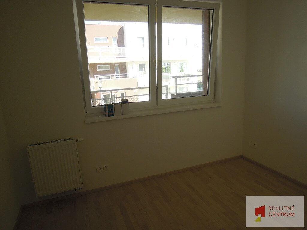 Predané: 4 izb. byt v Rovinke-2