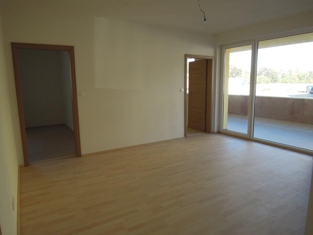 Predané: 4 izb. byt v Rovinke-3