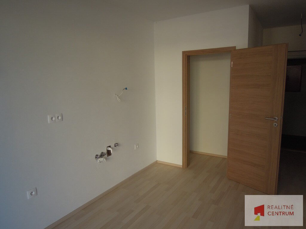 Predané: 4 izb. byt v Rovinke-7