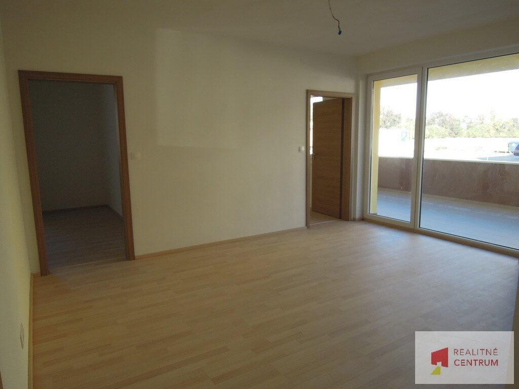 Predané: 4 izb. byt v Rovinke-6