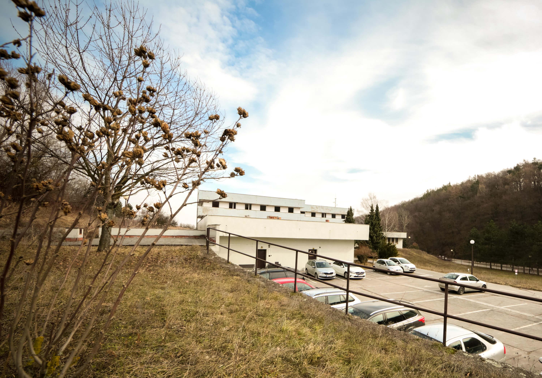 Zdravotnícke zariadenie,bývale sanatórium,komplex na predaj, Limbach, Potočná ulica, pozemky 21164m2, úžitkova spolu 3159m2-21