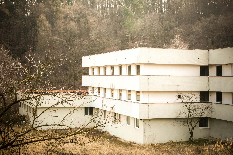 Zdravotnícke zariadenie,bývale sanatórium,komplex na predaj, Limbach, Potočná ulica, pozemky 21164m2, úžitkova spolu 3159m2-5