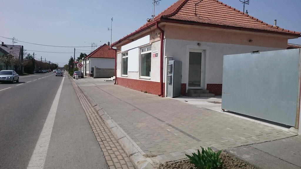 Prenajaté – obchodné priestory, Galanta, Bratislavská ulica-1