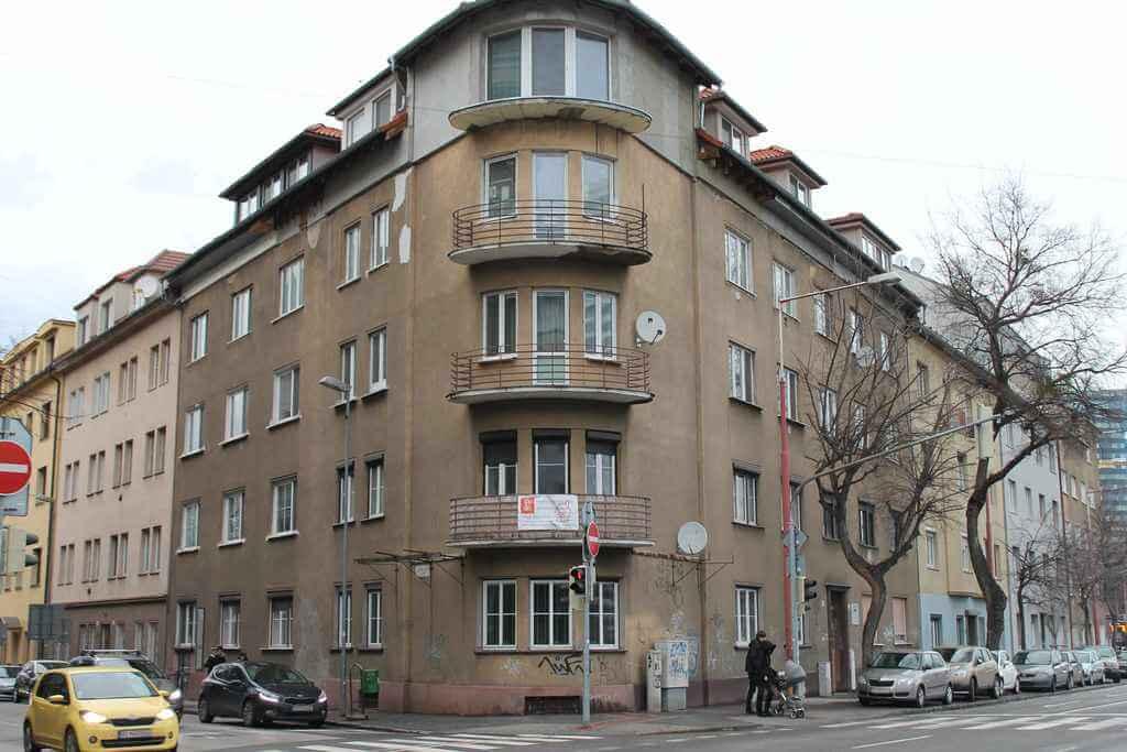 Predané Predaj exkluzívneho 3,5 izb. bytu,v centre, ulica Dostojevského rad v Bratislave, vedľa Jakubovho námestia, 94m2, kompletne zariadený-37