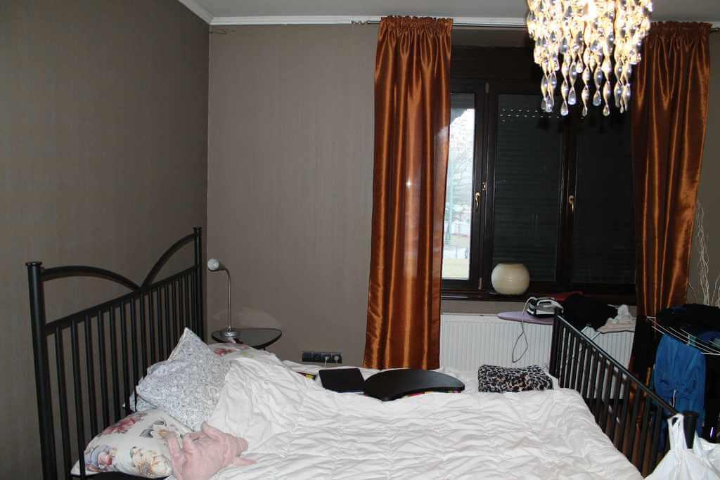 Predané Predaj exkluzívneho 3,5 izb. bytu,v centre, ulica Dostojevského rad v Bratislave, vedľa Jakubovho námestia, 94m2, kompletne zariadený-11
