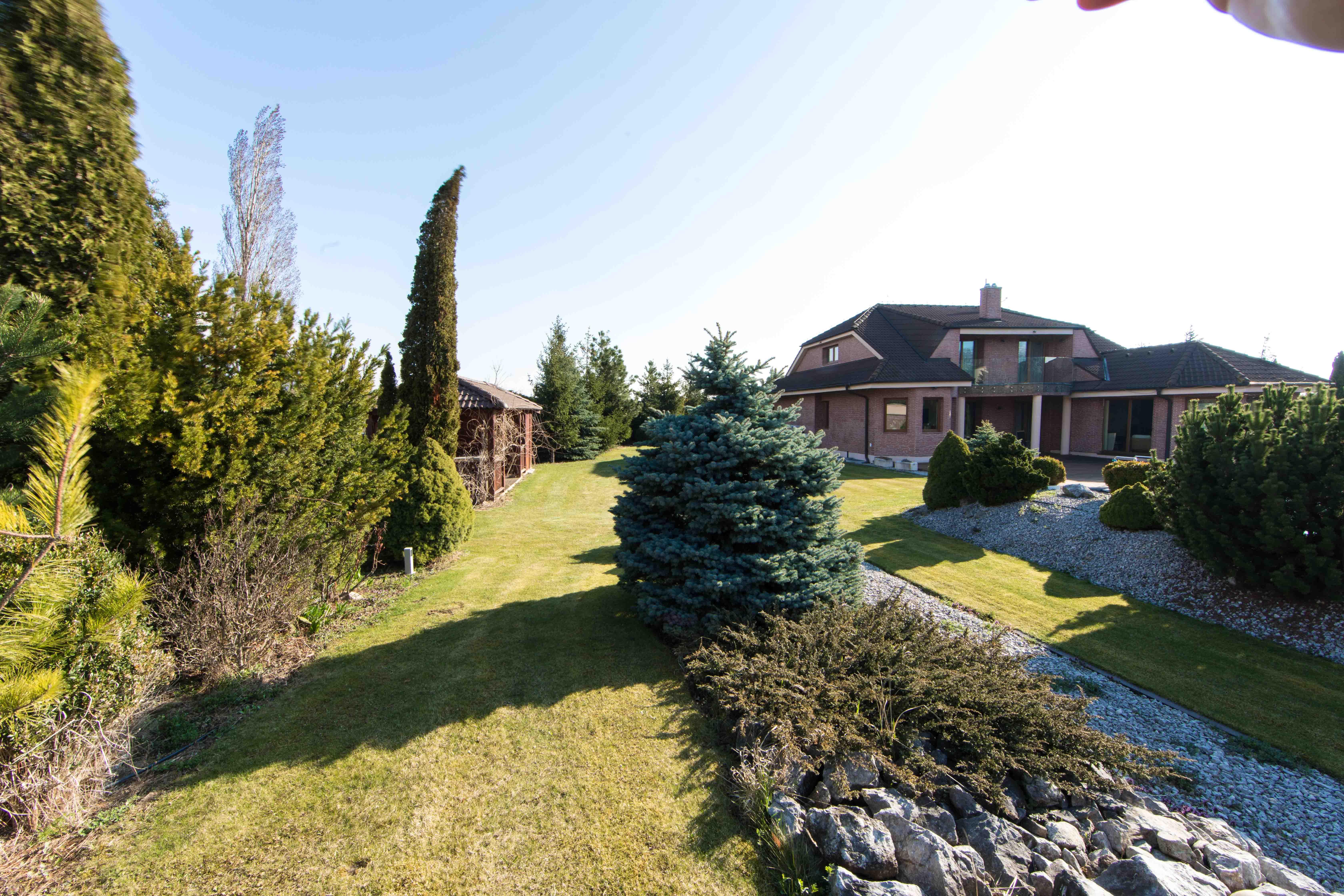 Rodinná Vila, Limbach, prírodné jazero, 4030 m2, úžitková plocha 420m2-3