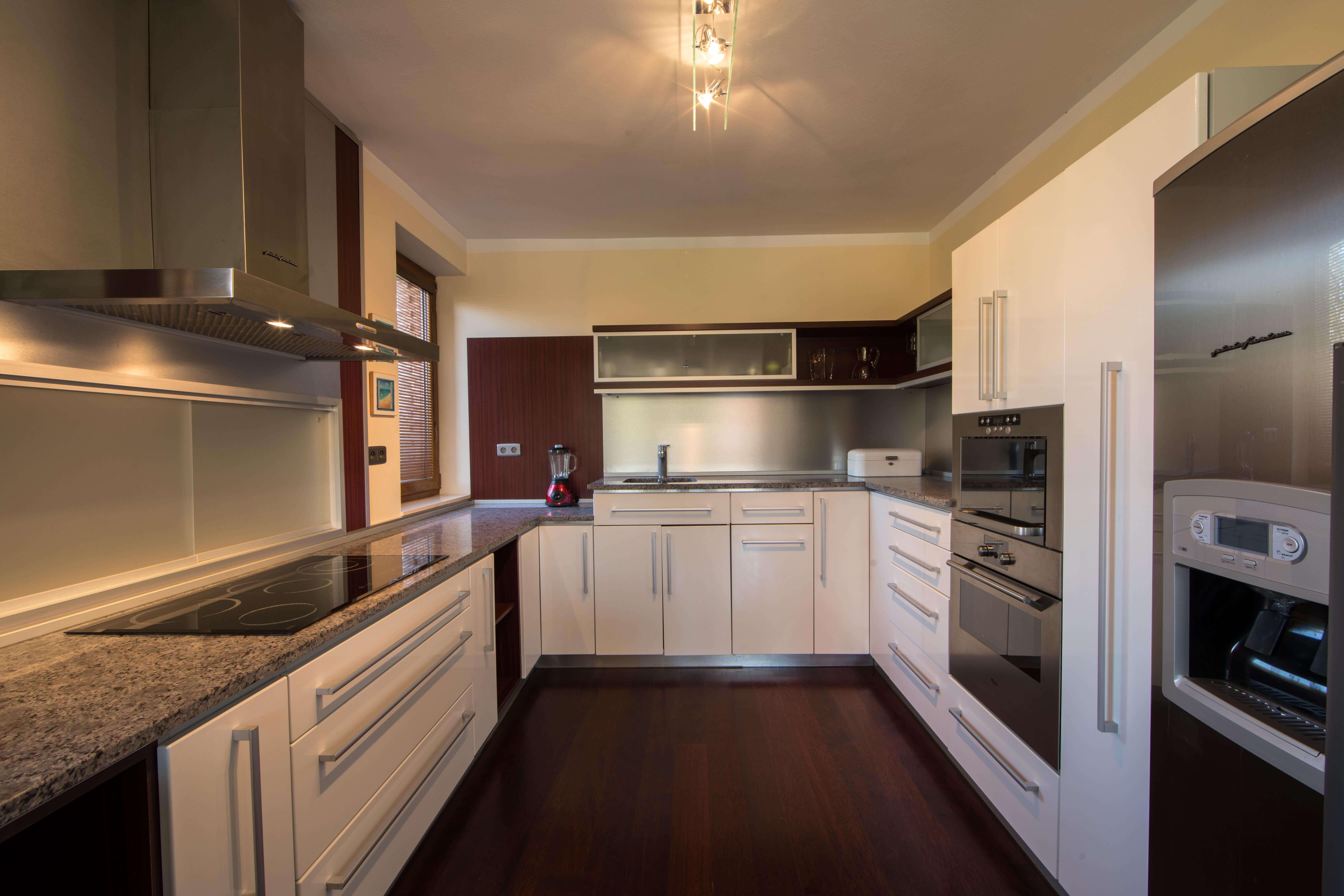 Rodinná Vila, Limbach, prírodné jazero, 4030 m2, úžitková plocha 420m2-26