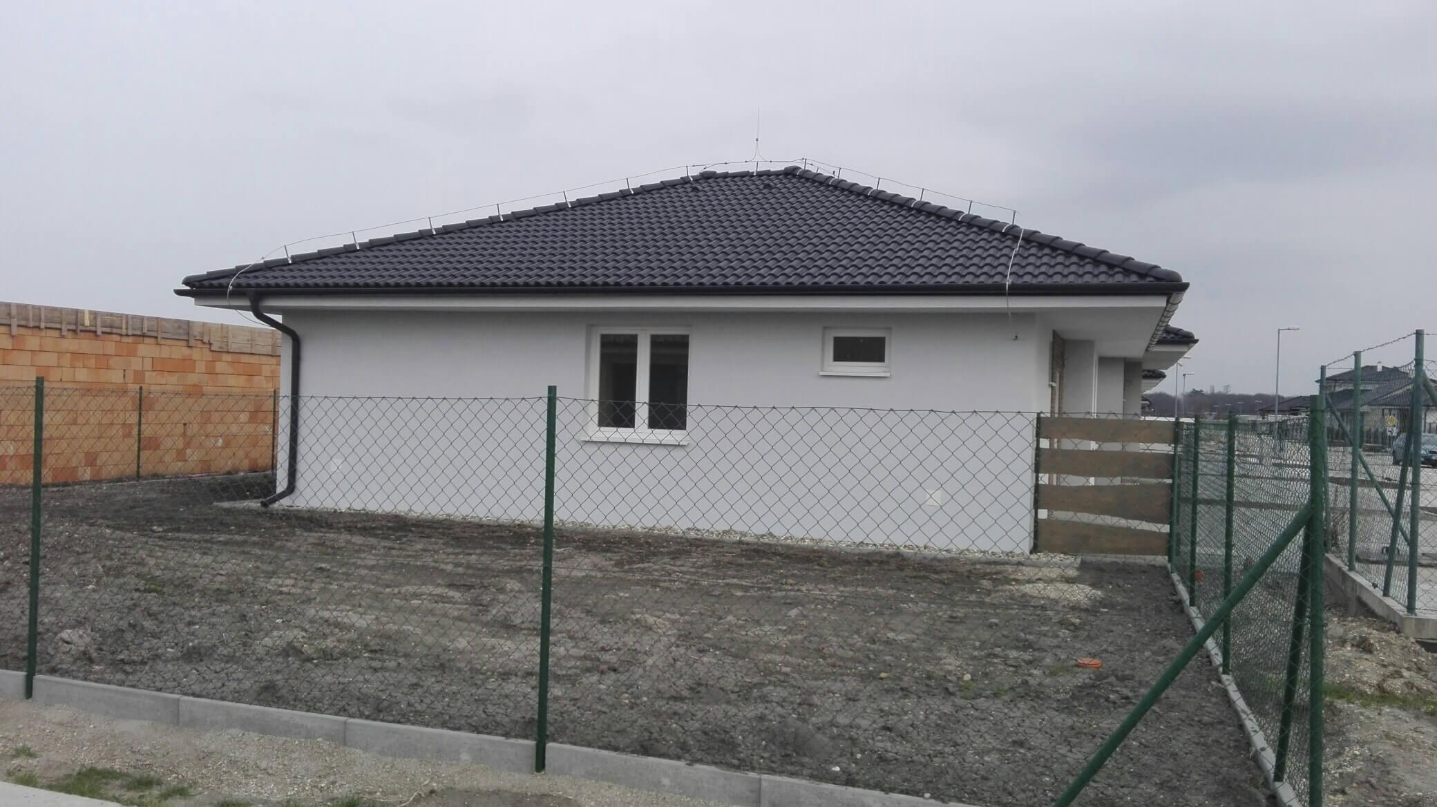 Predané: Novostavba na kľúč + kuchyňa + pozemok len za 98 000 Eur, iba 25km od Bratislavy-6