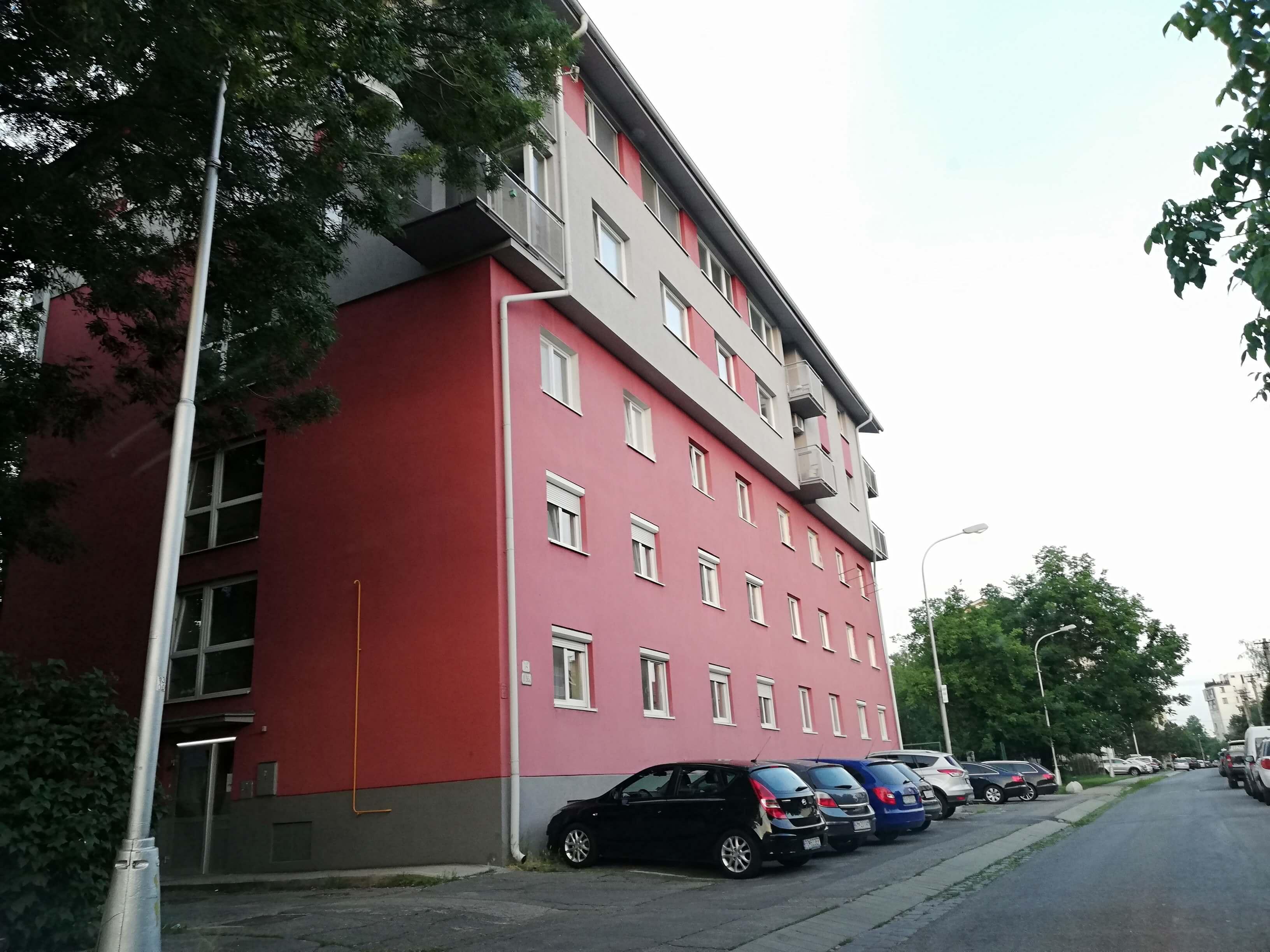 Predané: Zrekonštruovaný a kompletne zariadený byt na Pluhovej ulici-0