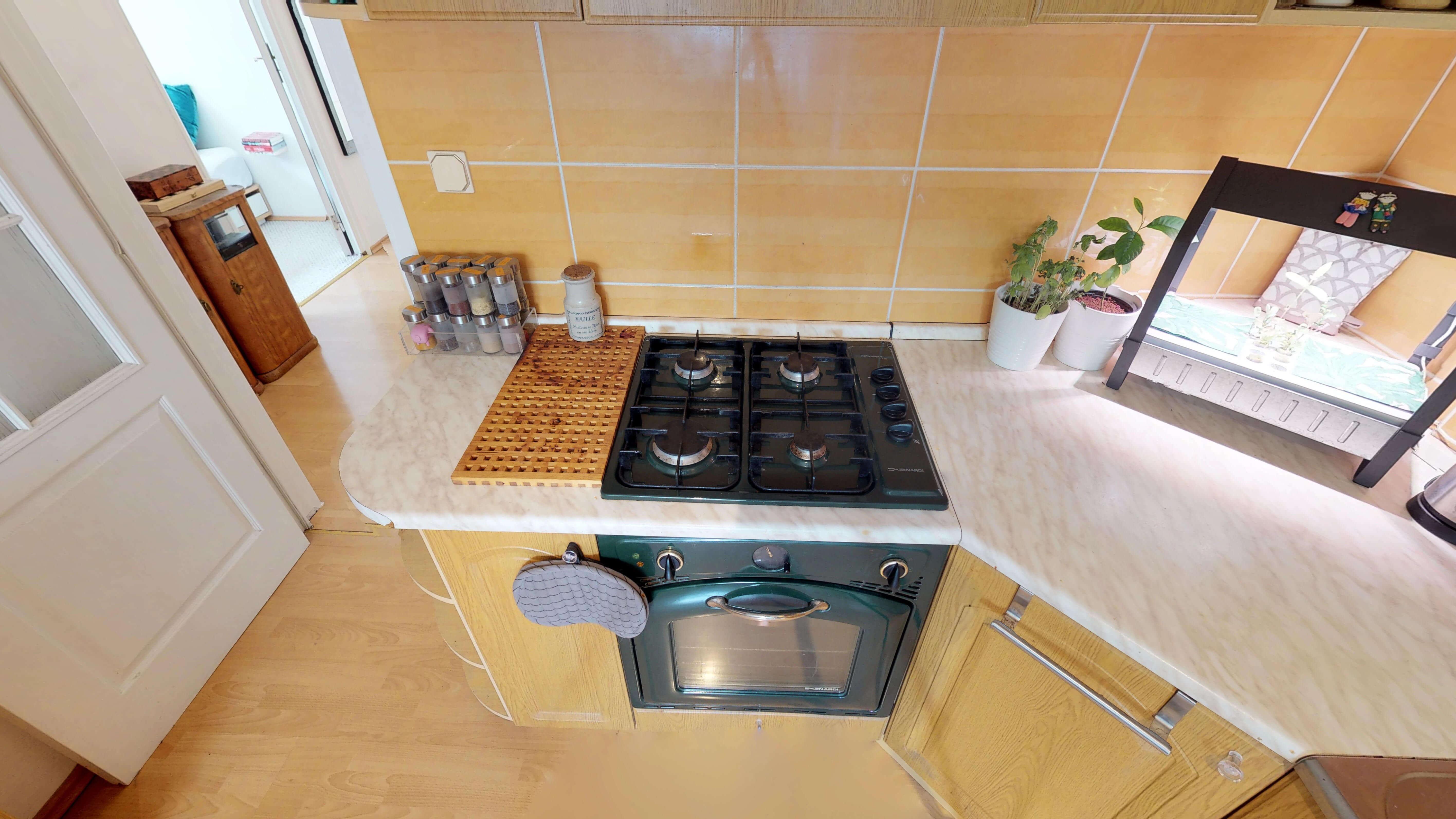 Predané Predaj exkluzívneho 3 izb. bytu,v Ružinove, ulica Palkovičová, blízko Trhoviska Miletičky v Bratislave, 68m2, kompletne zariadený-23