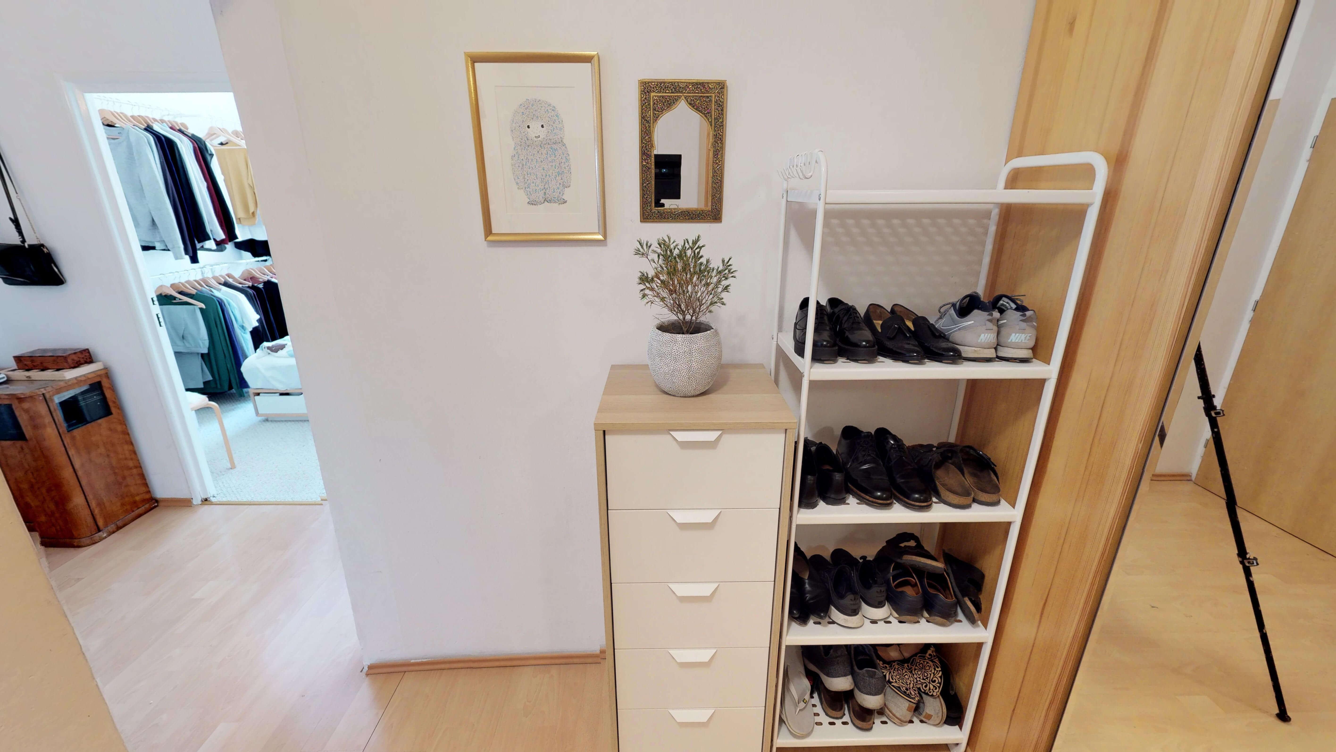 Predané Predaj exkluzívneho 3 izb. bytu,v Ružinove, ulica Palkovičová, blízko Trhoviska Miletičky v Bratislave, 68m2, kompletne zariadený-37