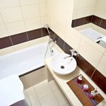 Na predaj 4 izbový byt v4-poschodovom bytovom dome svýťahom ulica Vyšehradská, Bratislava.-4