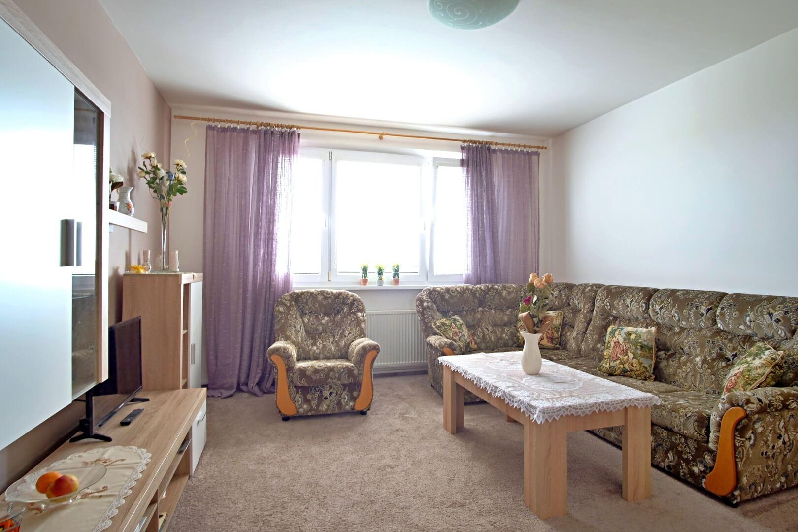 Na predaj 4 izbový byt v4-poschodovom bytovom dome svýťahom ulica Vyšehradská, Bratislava.-7