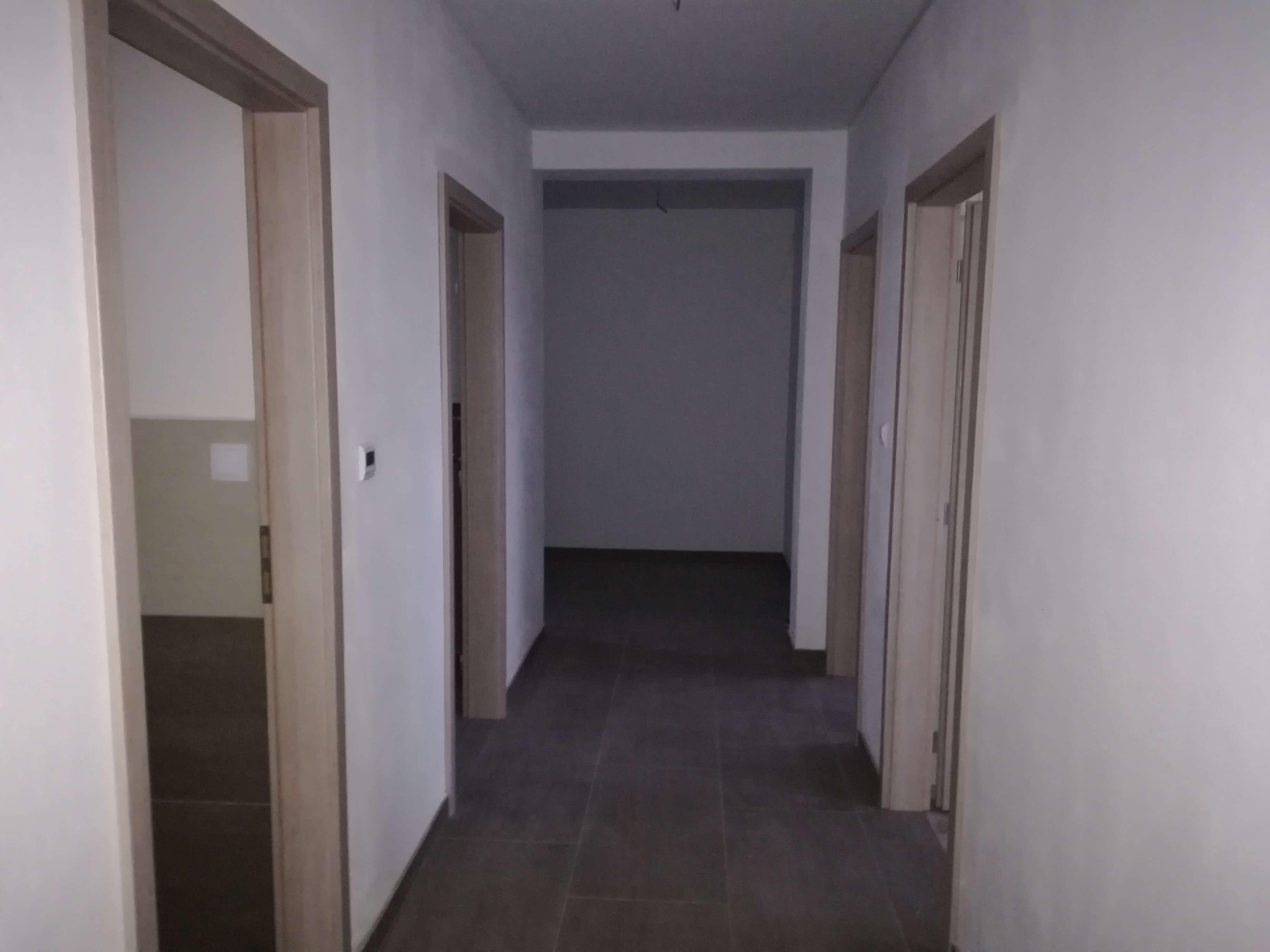 Predané: NOVOSTAVBA s terasou NA KĽÚČ + POZEMOK len 25km od Bratislavy-12