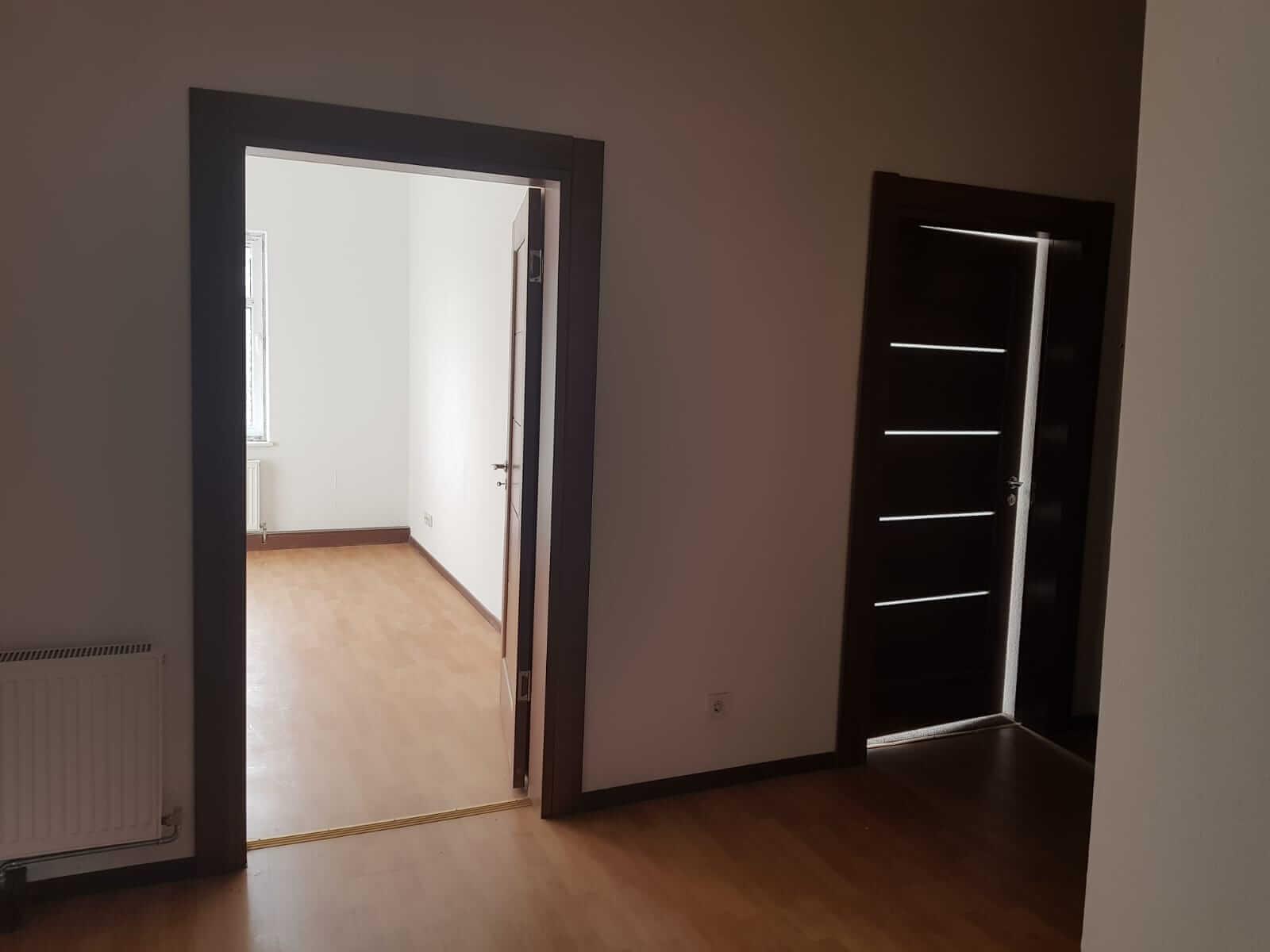 Kompletne zrekonštruovaný bytový dom, v Nemecku, na investíciu s nájomcami-13