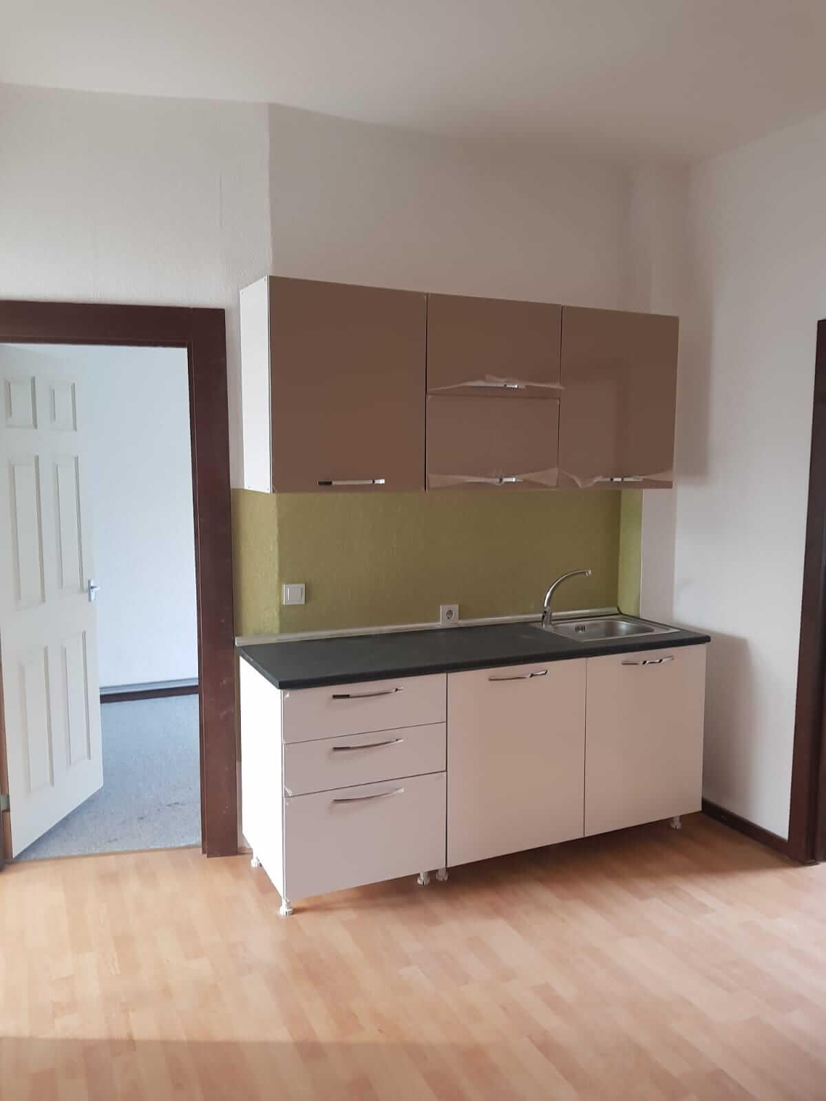Kompletne zrekonštruovaný bytový dom, v Nemecku, na investíciu s nájomcami-11