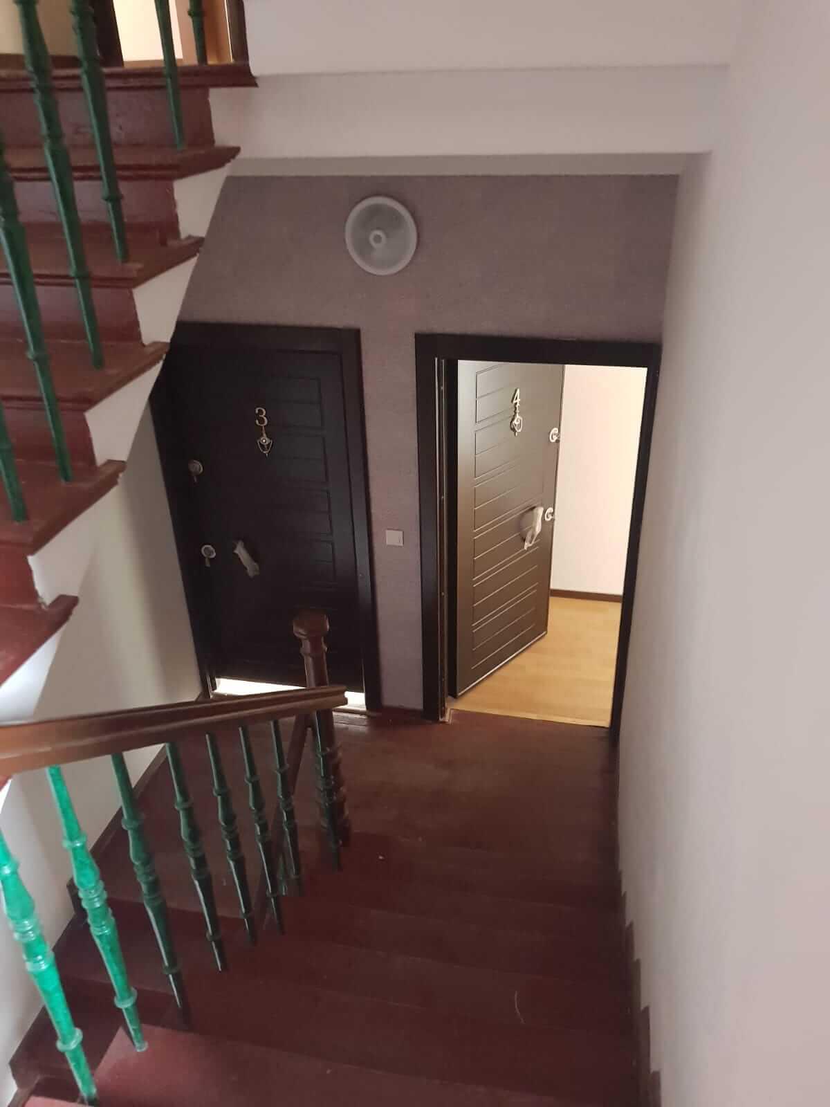 Kompletne zrekonštruovaný bytový dom, v Nemecku, na investíciu s nájomcami-7