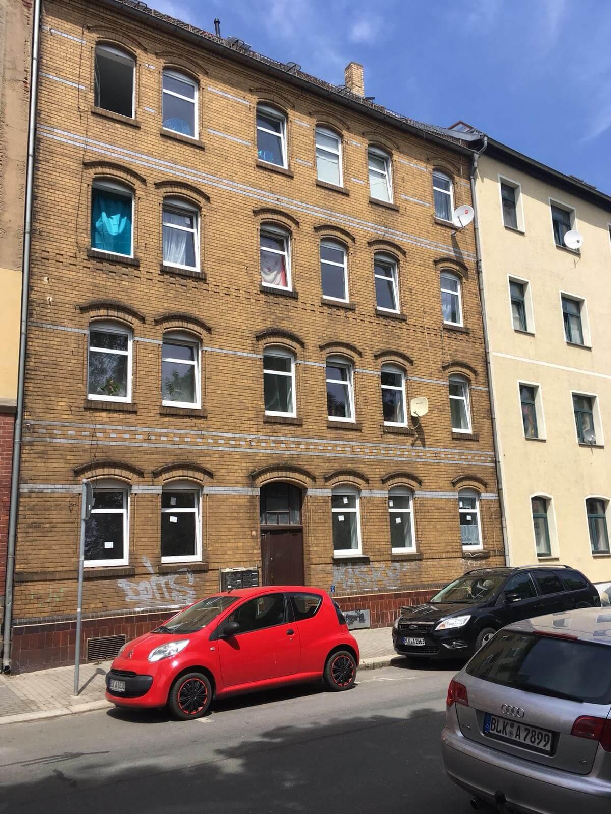 Kompletne zrekonštruovaný bytový dom, v Nemecku, na investíciu s nájomcami-0