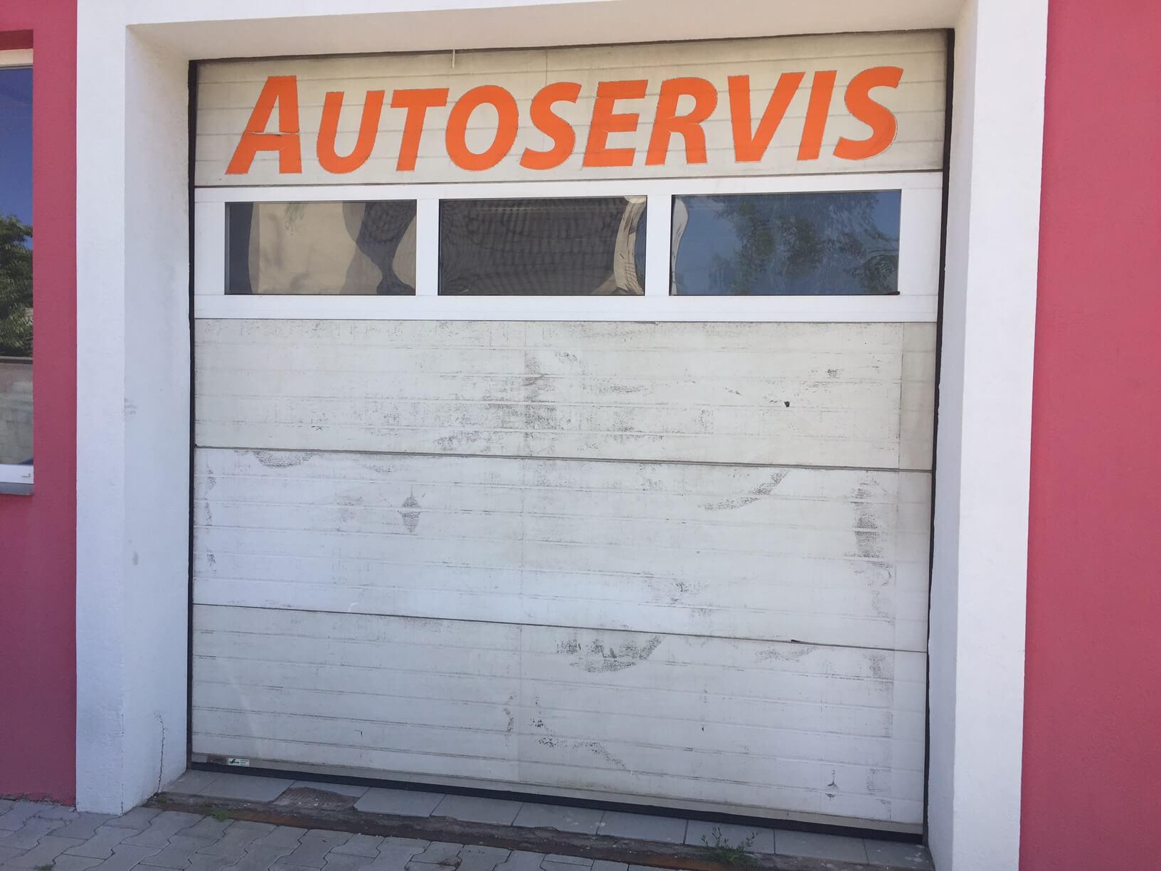 Prenájom obchodného priestoru, najlepšie pre Autoservis, Pezinok, Ulica Mýtna/Šenkvická cesta. 240 m-2