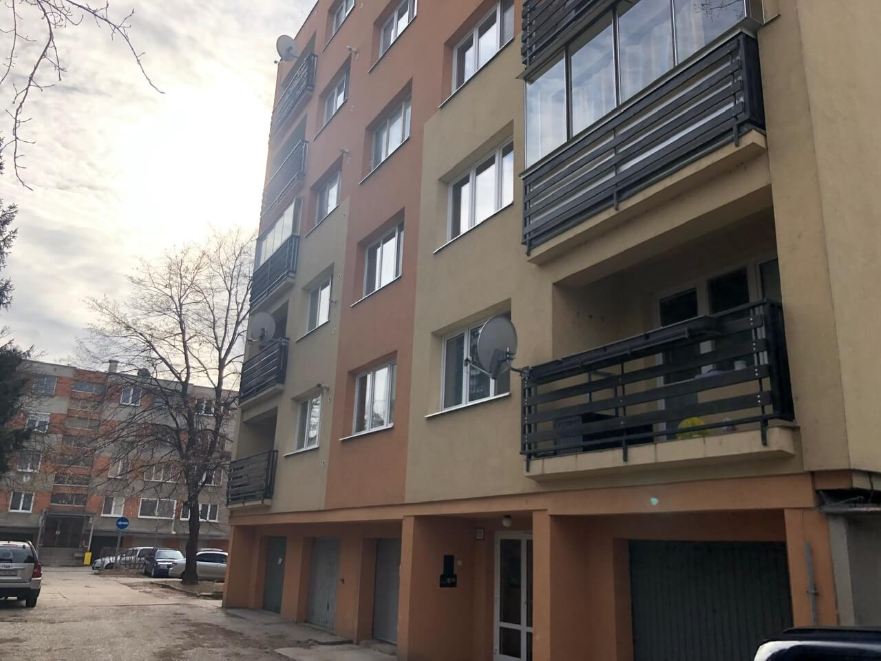 Exkluzívne na predaj 3 izb. byt, 81,7m2, balkón 5 m2, pivnica 6m2, garáž, Dunajská Lužná, ulica Brezová-31