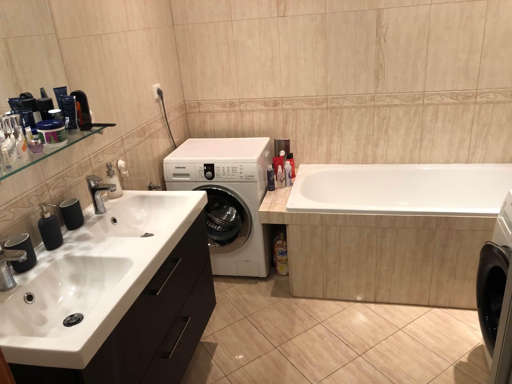 Predané: Exkluzívne na predaj 3 izb. byt, 72 m2, balkón 8 m2, parkovacie státie, Bratislava, Petržalka, Budatínska-59