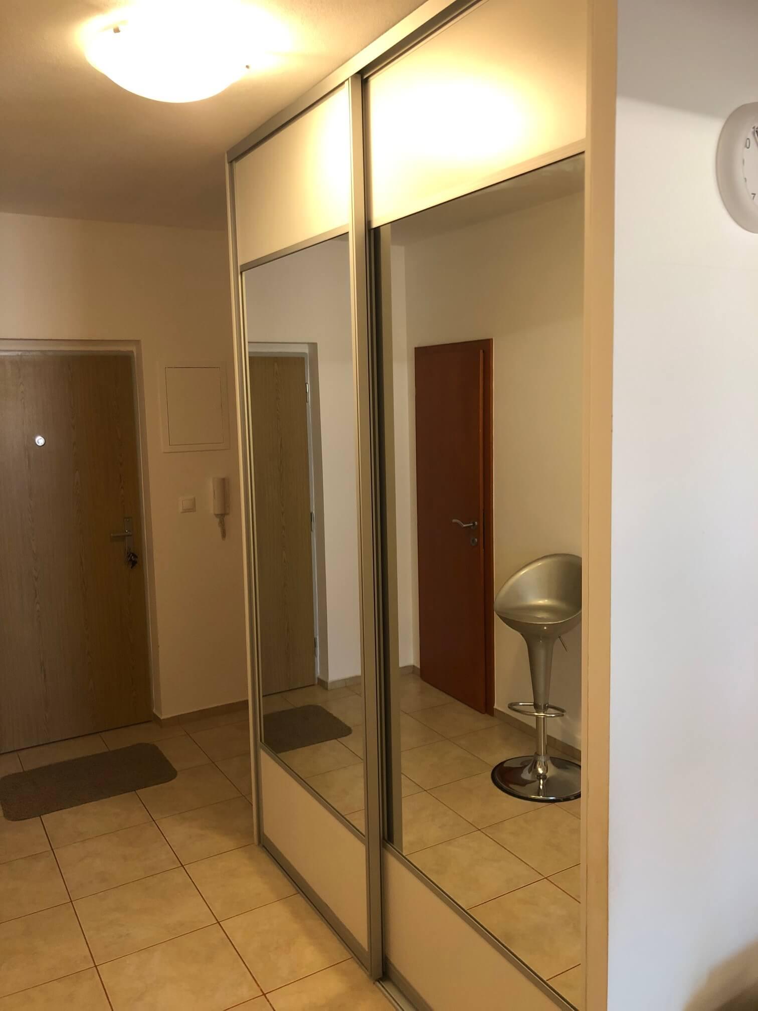 Predané: Exkluzívne na predaj 3 izb. byt, 72 m2, balkón 8 m2, parkovacie státie, Bratislava, Petržalka, Budatínska-51