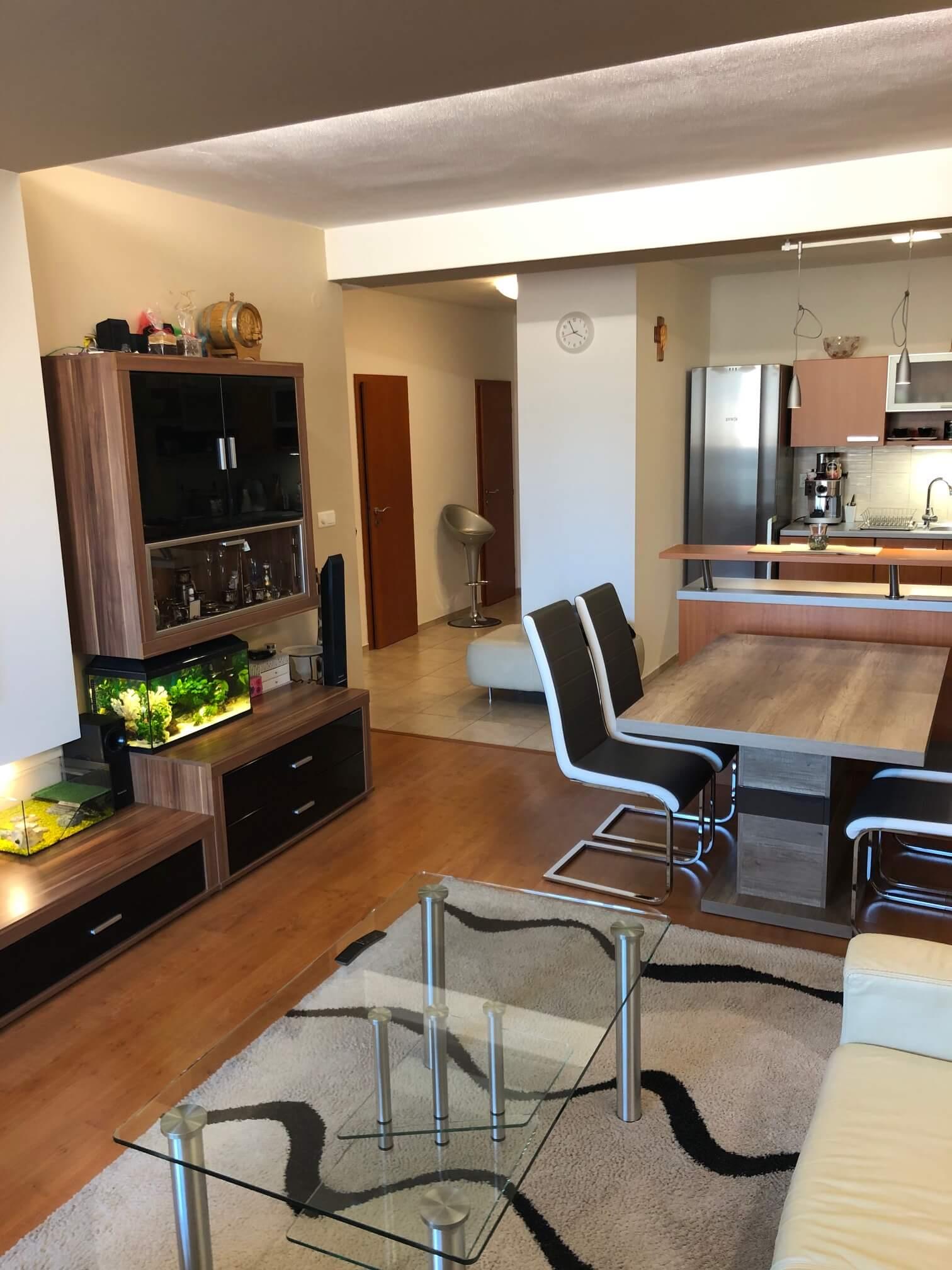 Predané: Exkluzívne na predaj 3 izb. byt, 72 m2, balkón 8 m2, parkovacie státie, Bratislava, Petržalka, Budatínska-12