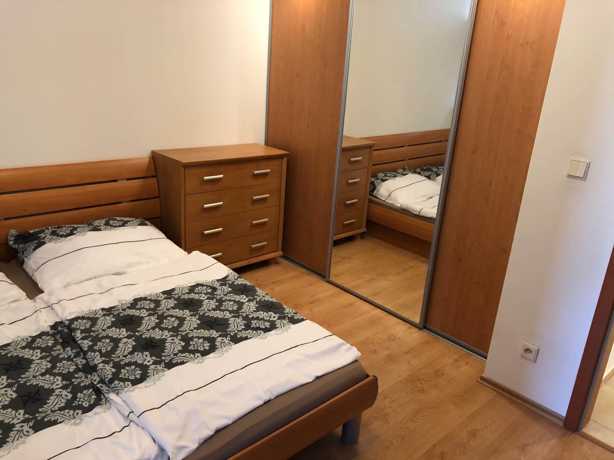 Predané: Exkluzívne na predaj 3 izb. byt, 72 m2, balkón 8 m2, parkovacie státie, Bratislava, Petržalka, Budatínska-34