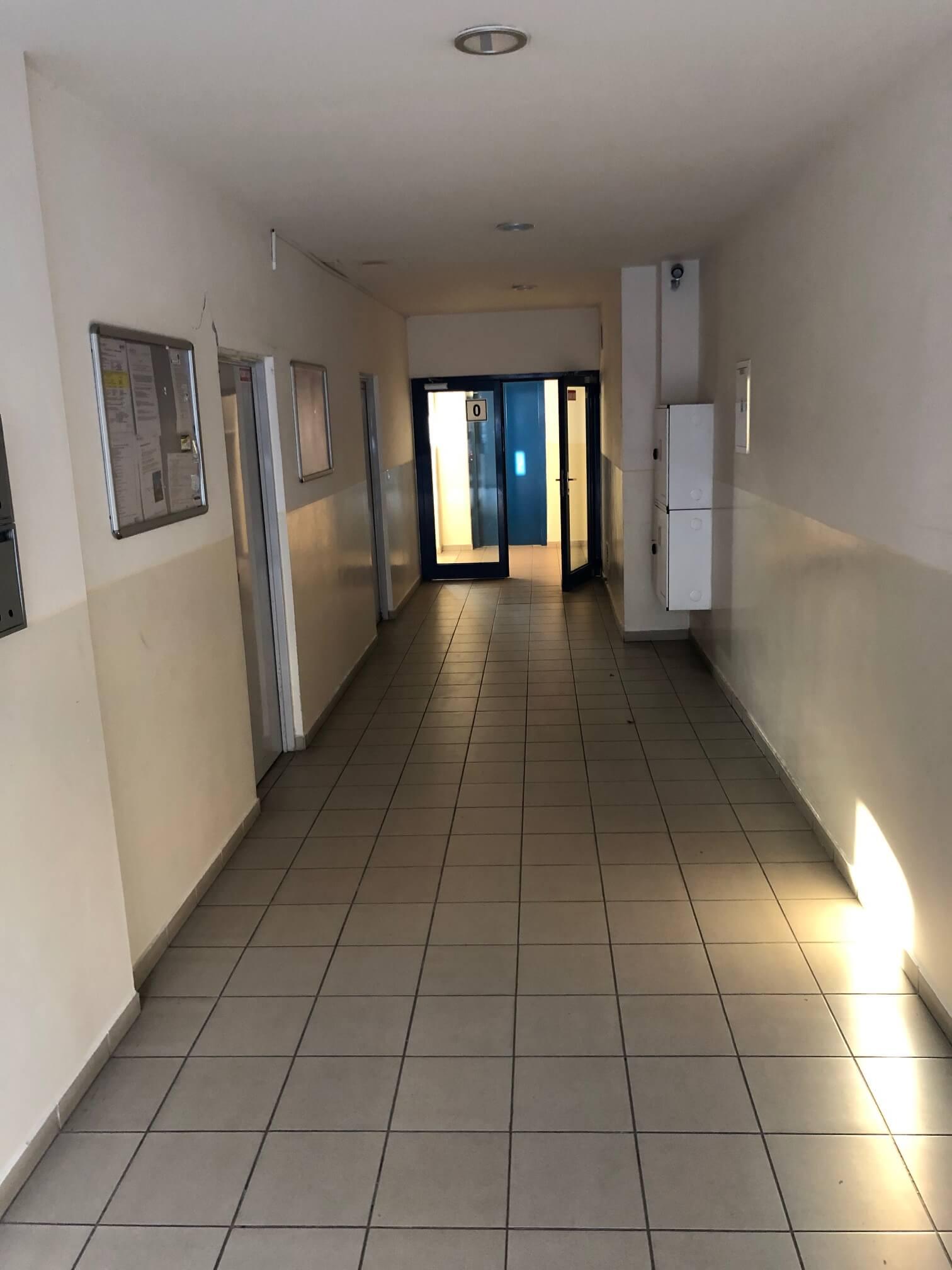 Predané: Exkluzívne na predaj 3 izb. byt, 72 m2, balkón 8 m2, parkovacie státie, Bratislava, Petržalka, Budatínska-20
