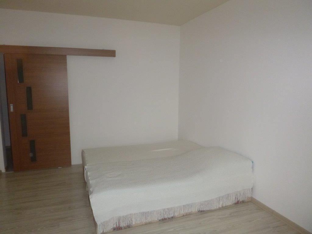 Exkluzívne na predaj 3 izb. byt, 81,7m2, balkón 5 m2, pivnica 6m2, garáž, Dunajská Lužná, ulica Brezová-17