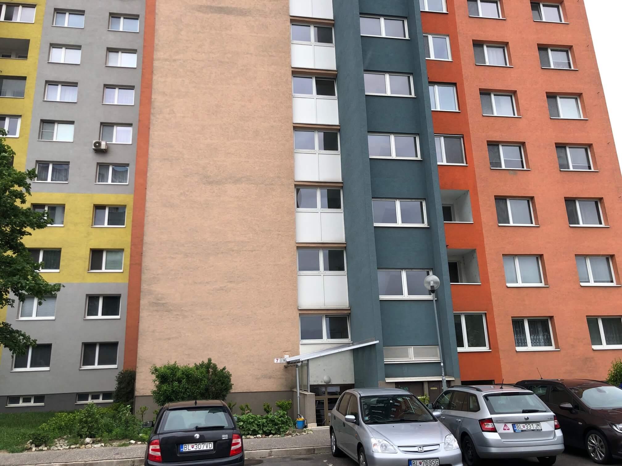 Predaný: 1 izbový byt, Ipeľská, Bratislava, 38m2, nízke náklady, parkovanie, vynikajúca občianska vybavenosť-32