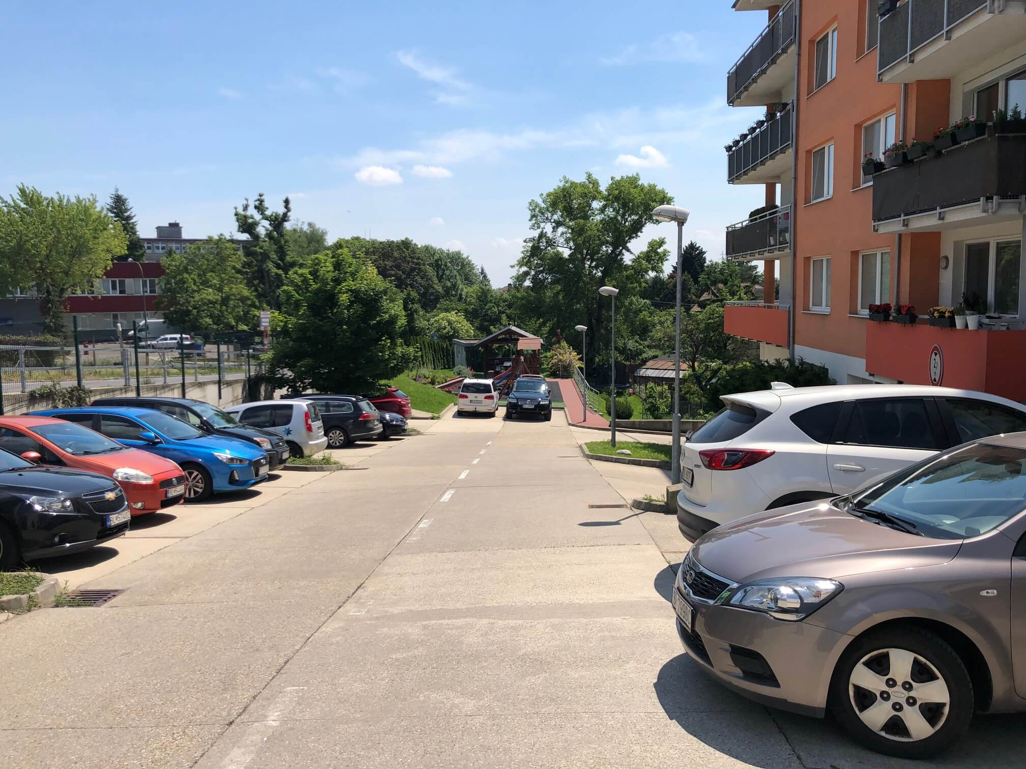 Rezervované: 3 izbový byt, novostavba, 72,25m2, loggia 4,82m2, Staré Grunty, Karlovka, garážové státie-72