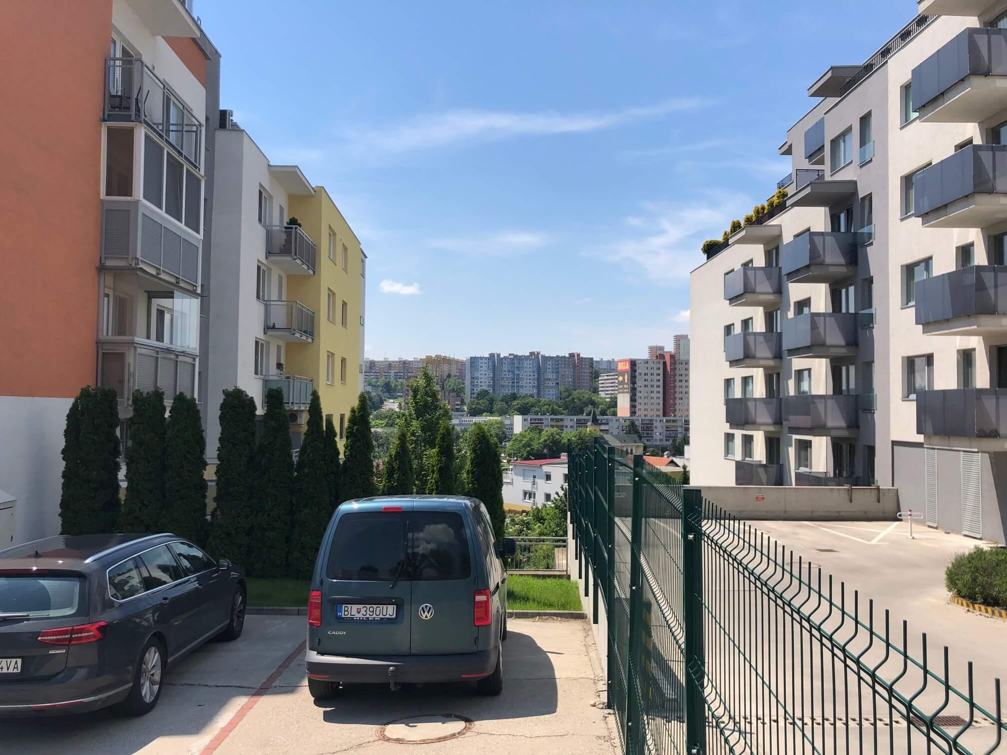 Rezervované: 3 izbový byt, novostavba, 72,25m2, loggia 4,82m2, Staré Grunty, Karlovka, garážové státie-68