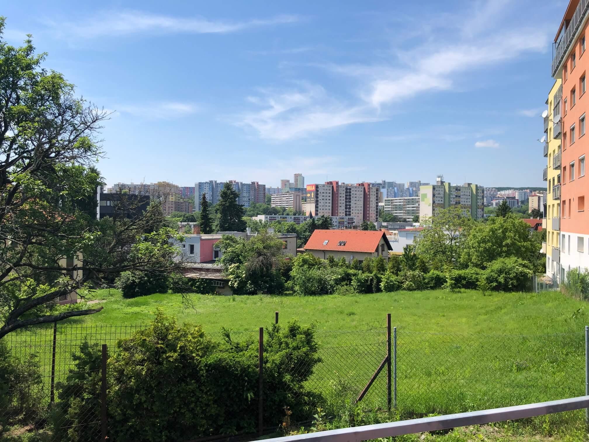 Rezervované: 3 izbový byt, novostavba, 72,25m2, loggia 4,82m2, Staré Grunty, Karlovka, garážové státie-51