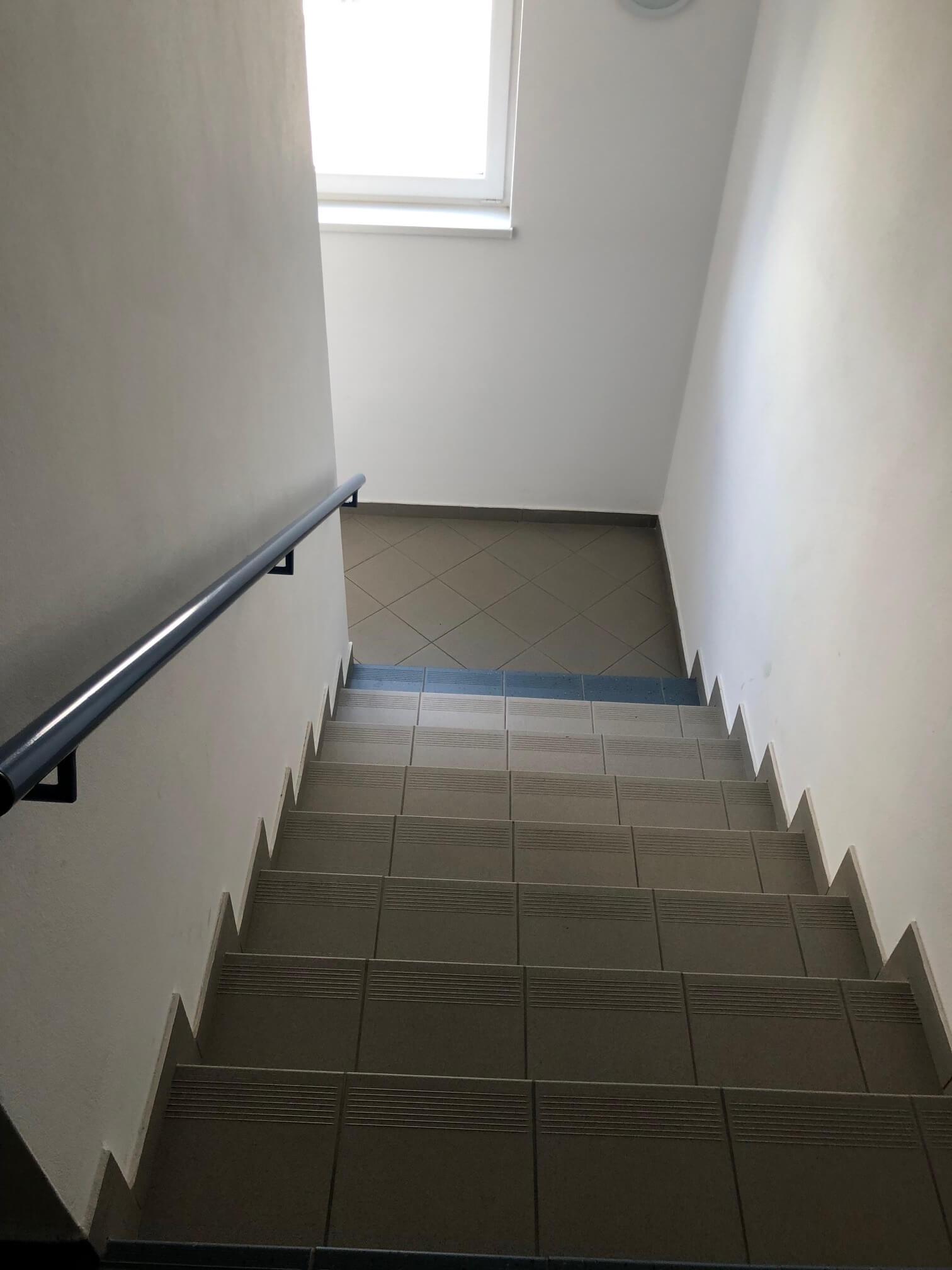 Rezervované: 3 izbový byt, novostavba, 72,25m2, loggia 4,82m2, Staré Grunty, Karlovka, garážové státie-47