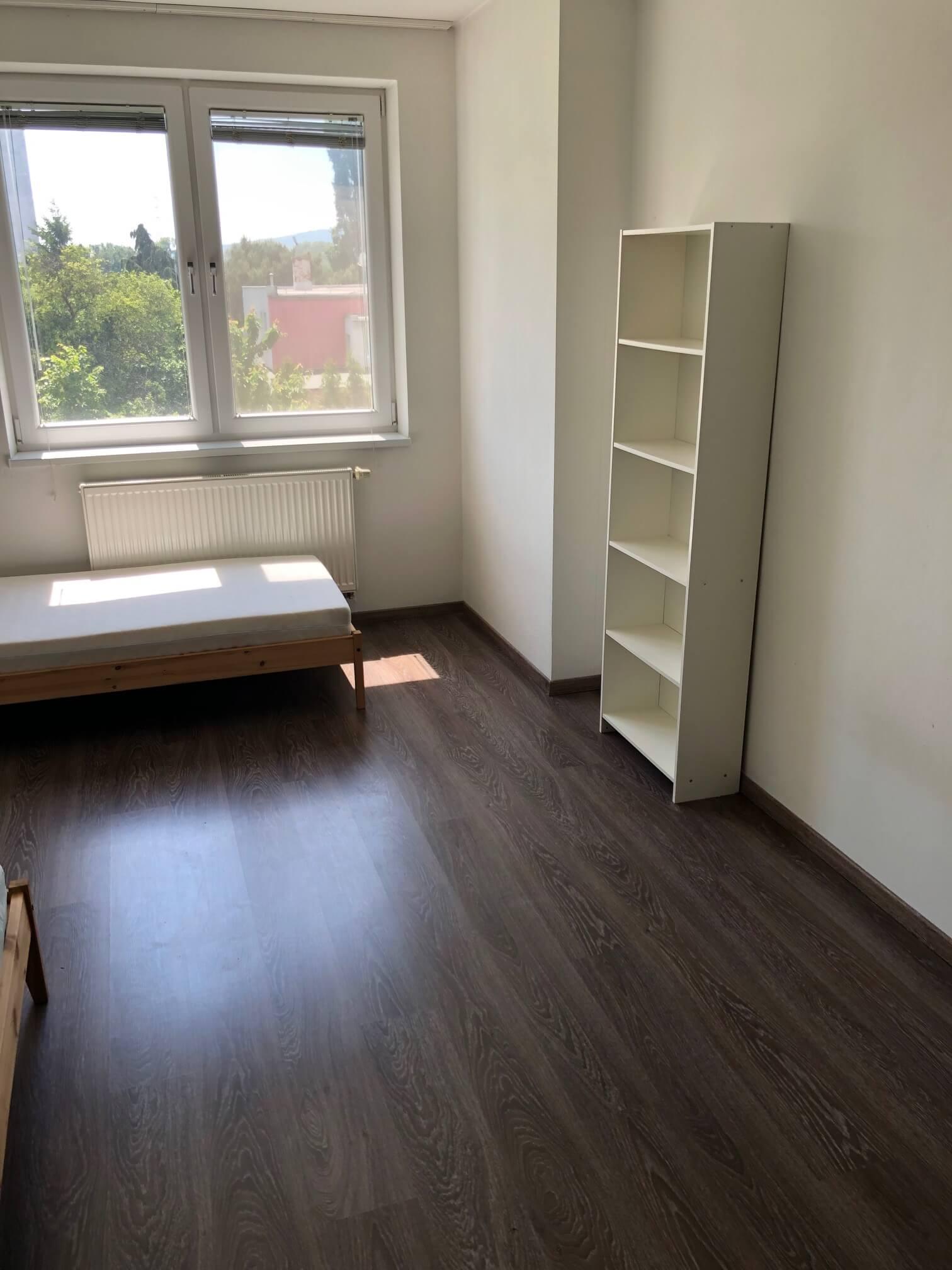 Rezervované: 3 izbový byt, novostavba, 72,25m2, loggia 4,82m2, Staré Grunty, Karlovka, garážové státie-26