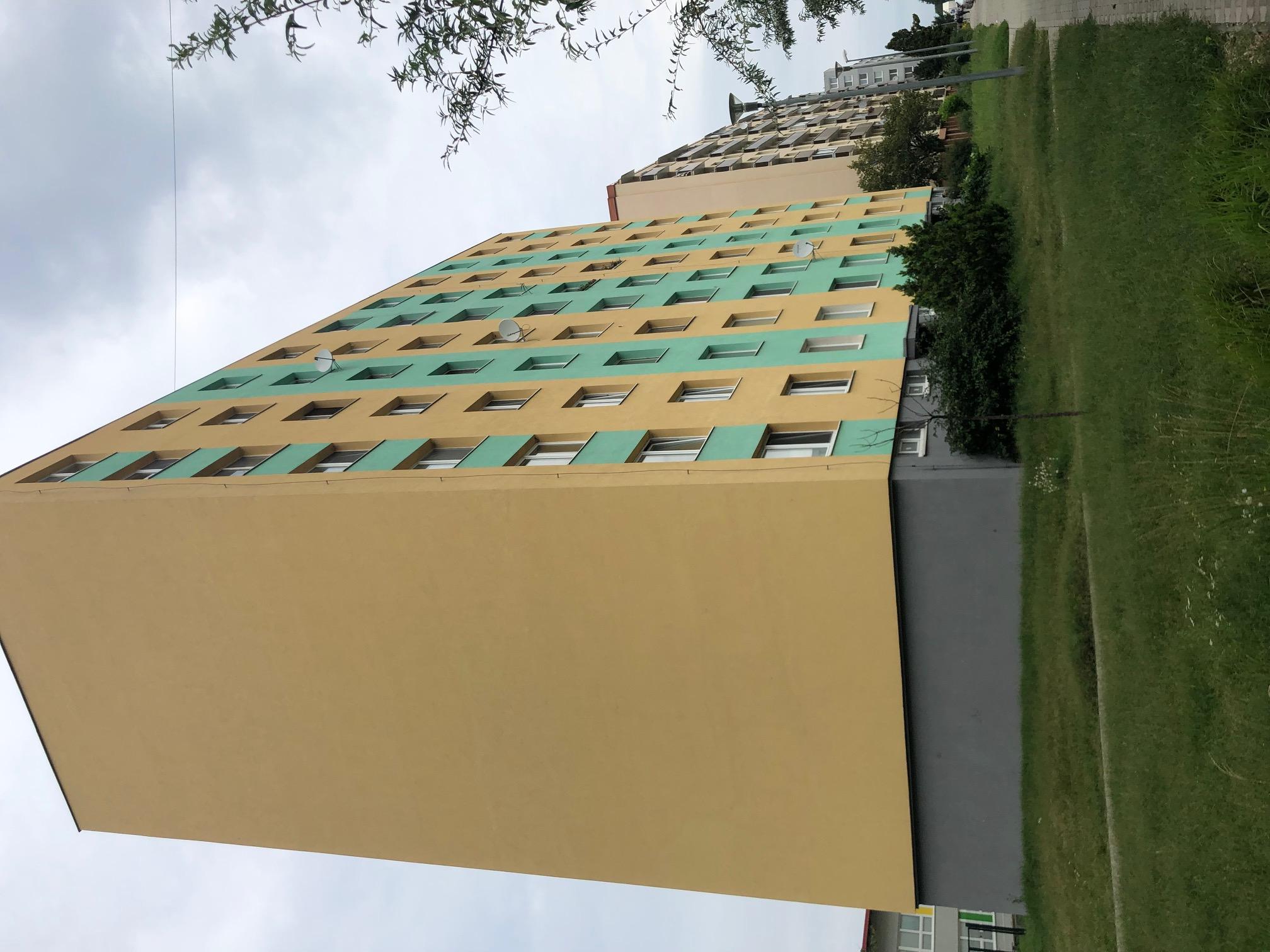 2 izbový byt, 52m2, pivnica, pôvodný stav, Skuteckého, Malacky Juh-30