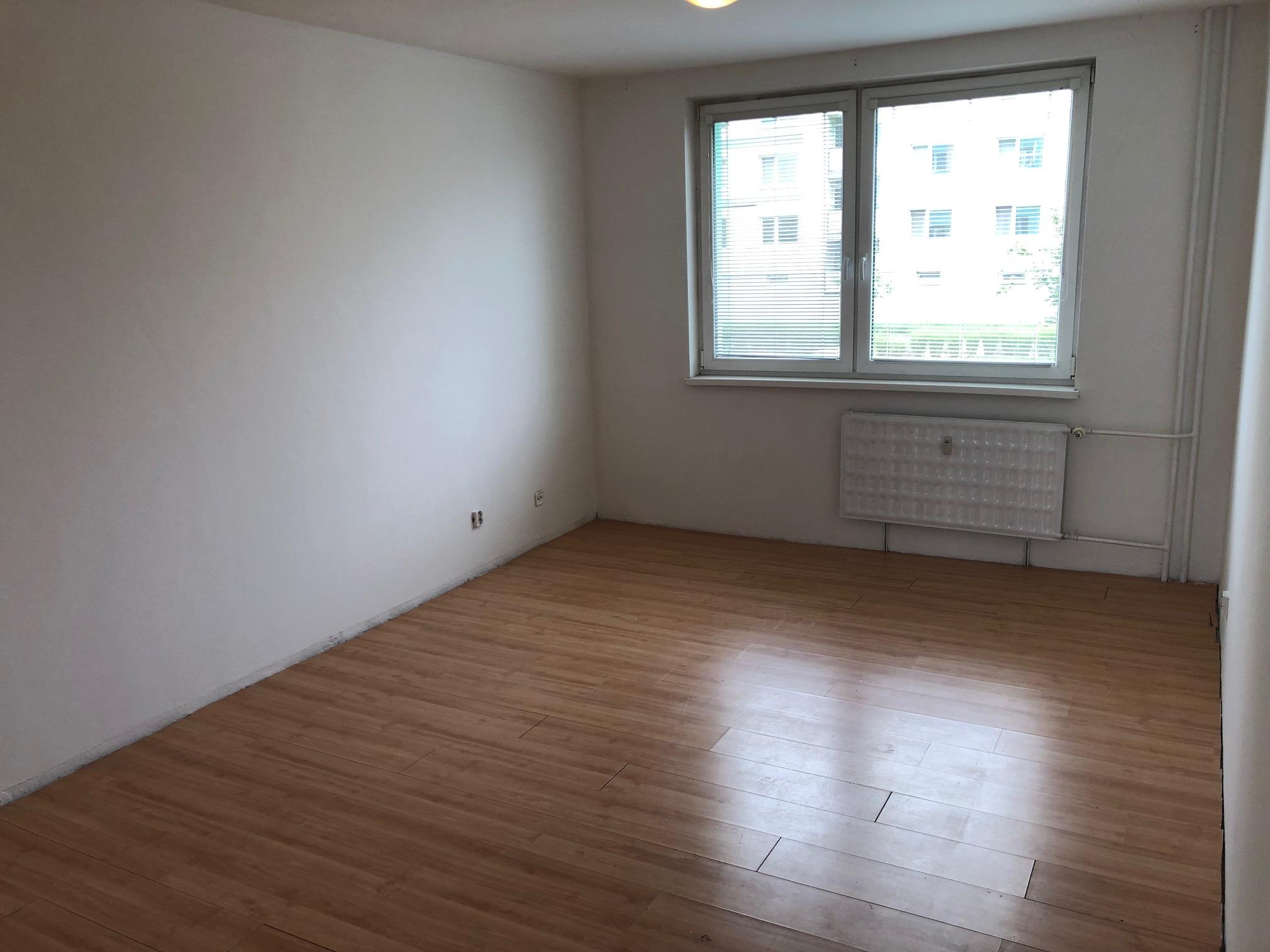2 izbový byt, 52m2, pivnica, pôvodný stav, Skuteckého, Malacky Juh-24