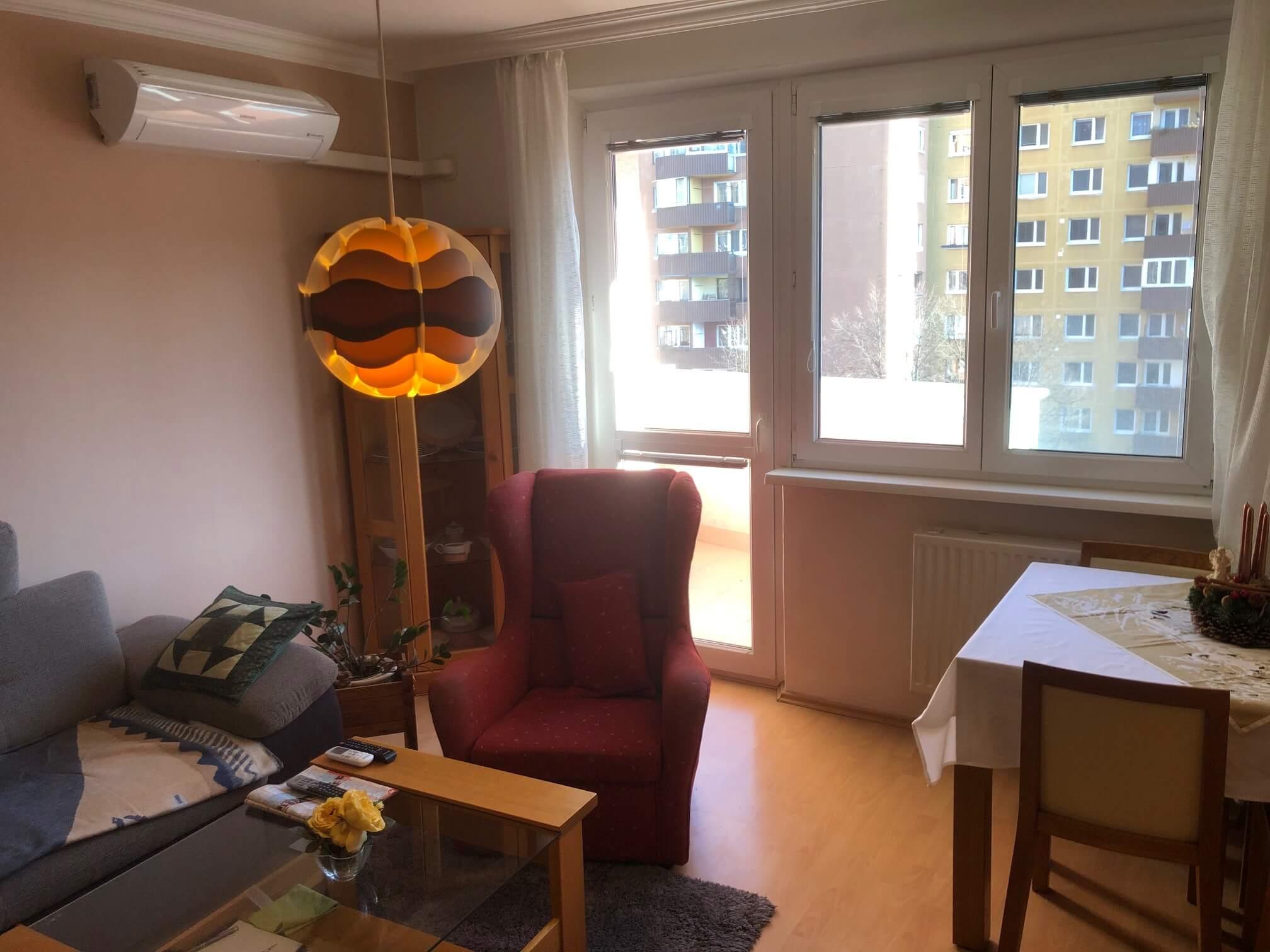 Exkluzívne na predaj 3 izbový byt, Devínska Nová Ves, Jána Poničana 3, 65m2, balkon 4m2,klimatizácia-2