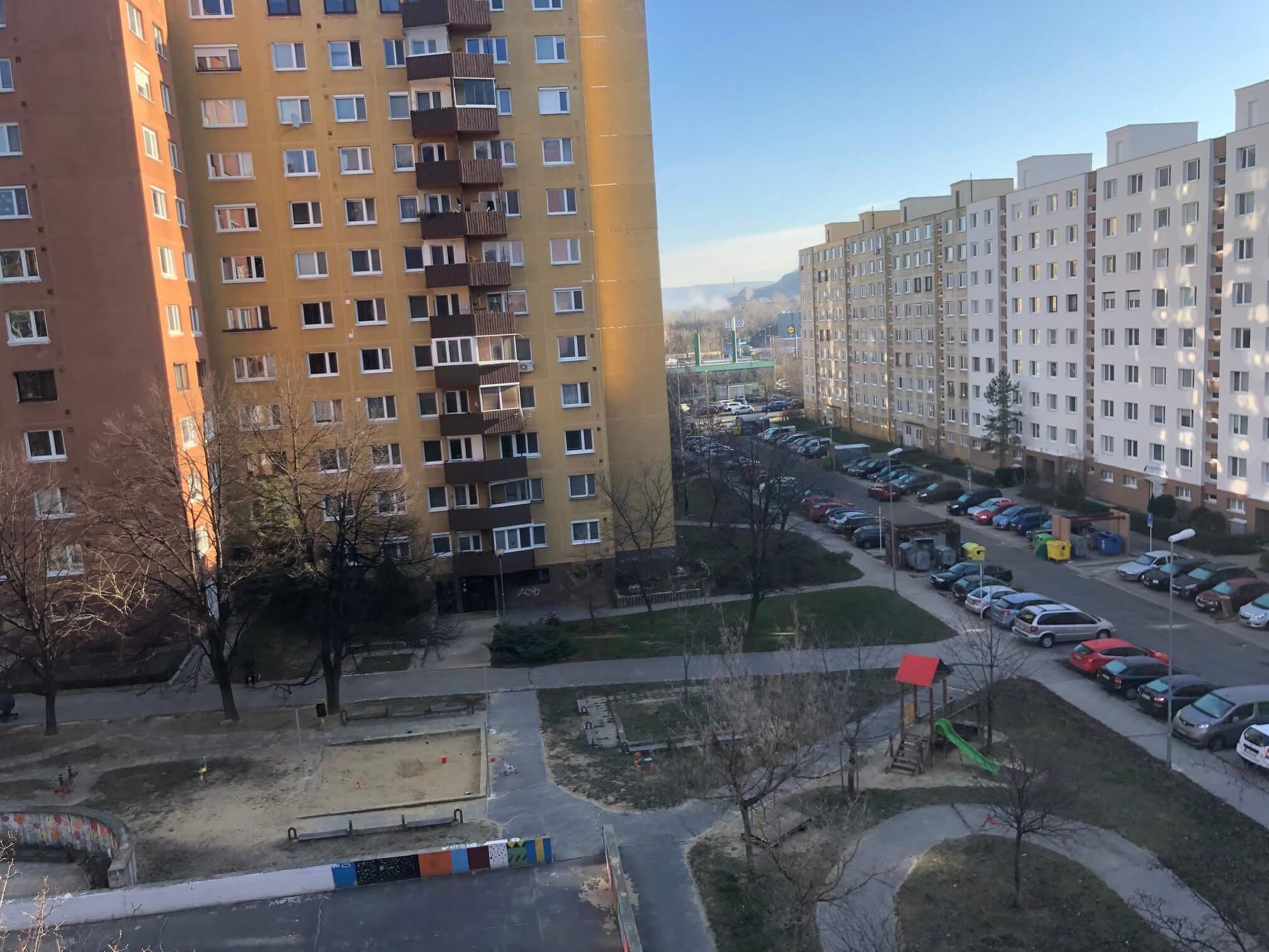 Exkluzívne na predaj 3 izbový byt, Devínska Nová Ves, Jána Poničana 3, 65m2, balkon 4m2,klimatizácia-44