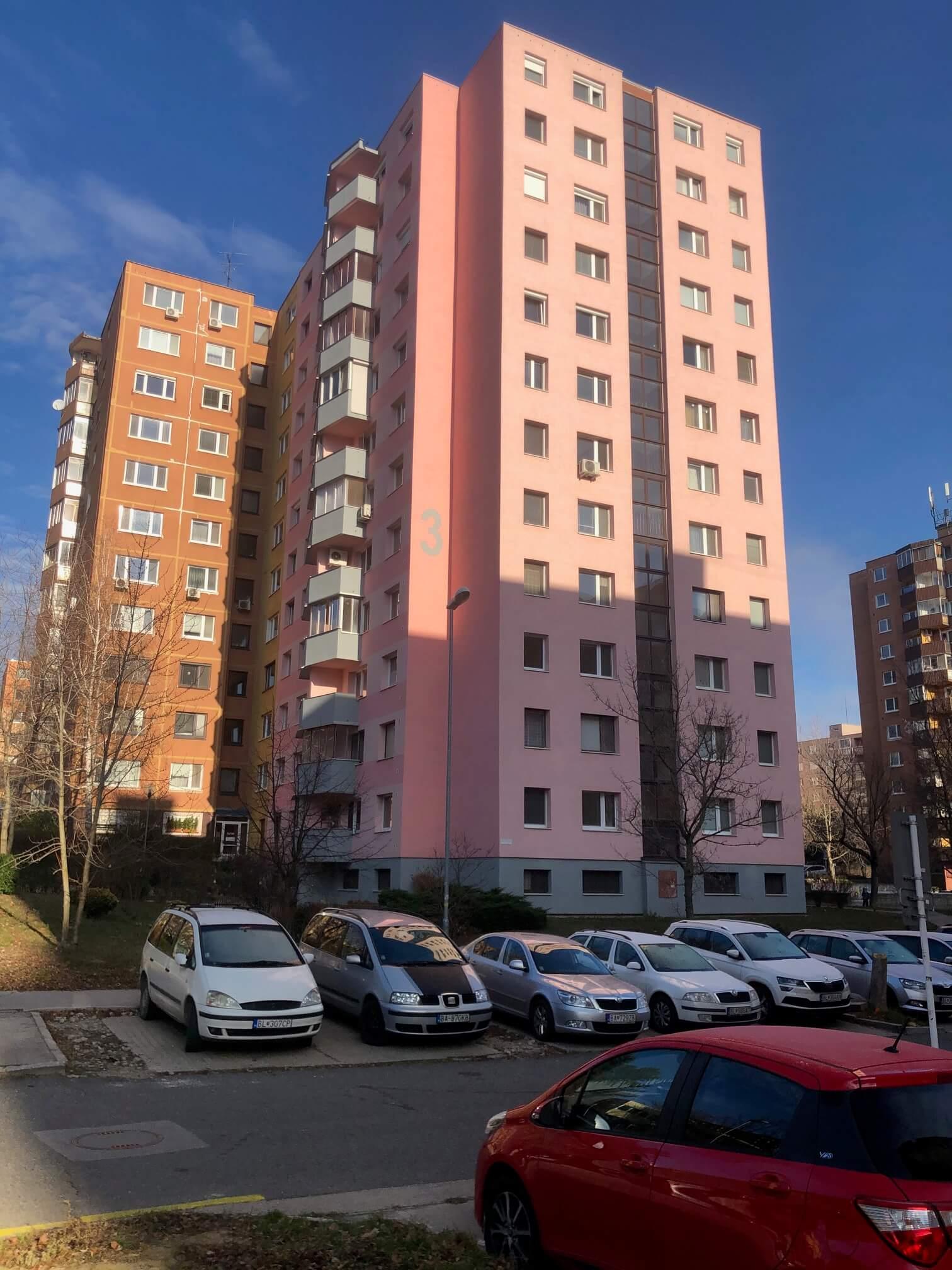 Exkluzívne na predaj 3 izbový byt, Devínska Nová Ves, Jána Poničana 3, 65m2, balkon 4m2,klimatizácia-5
