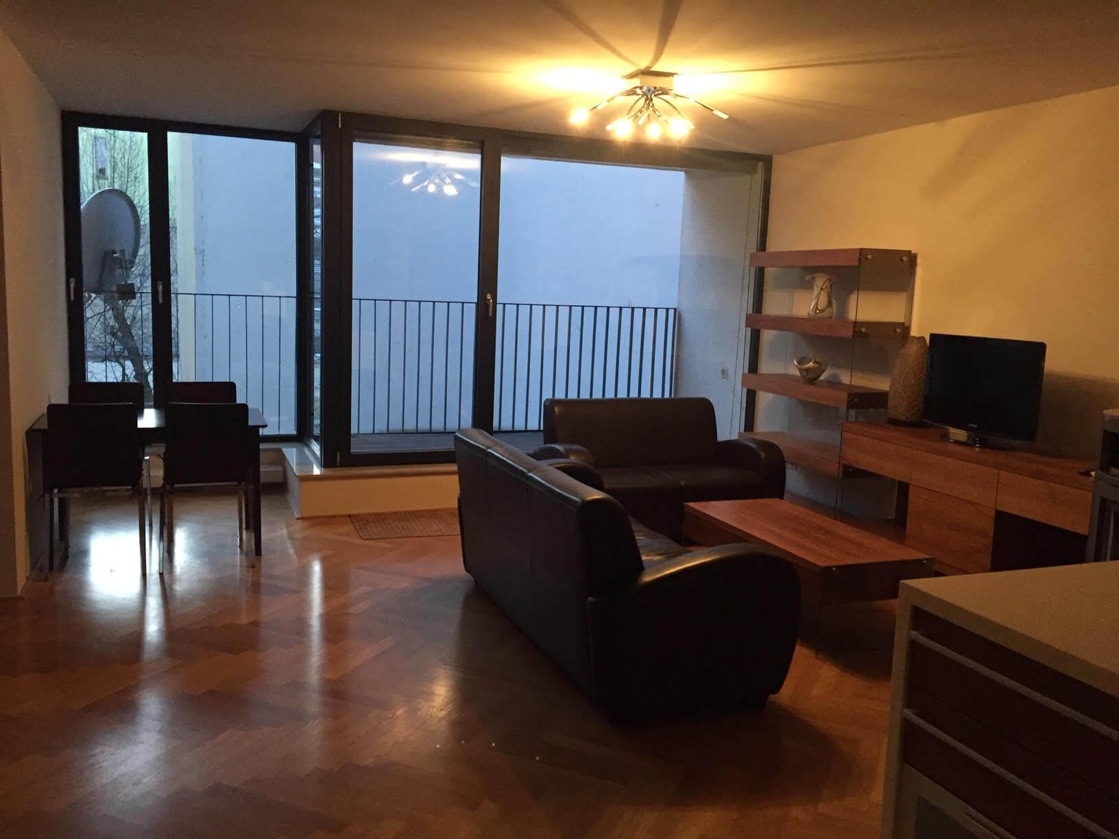 Luxusný 3 izbový byt v centre BA, 88m2, Dunajská 48, balkón 6m, garážové státie,klimatizácia, krb-2