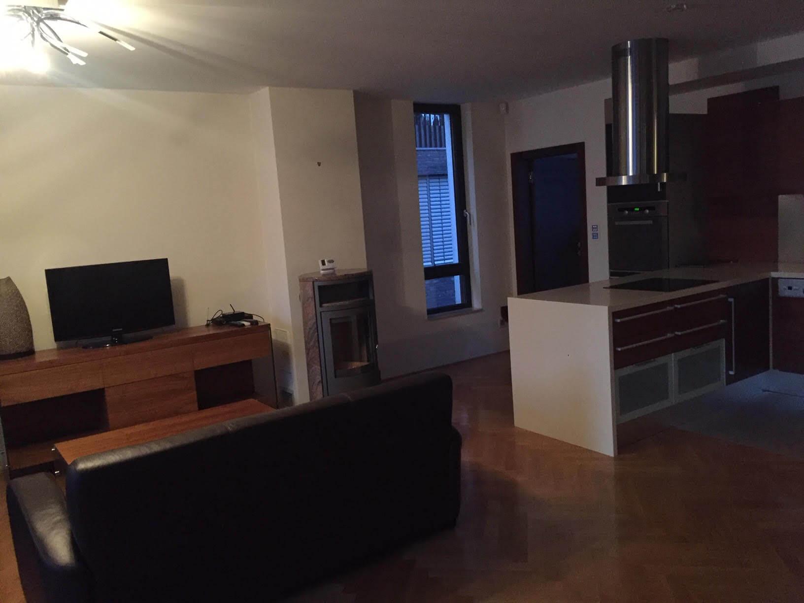 Luxusný 3 izbový byt v centre BA, 88m2, Dunajská 48, balkón 6m, garážové státie,klimatizácia, krb-1