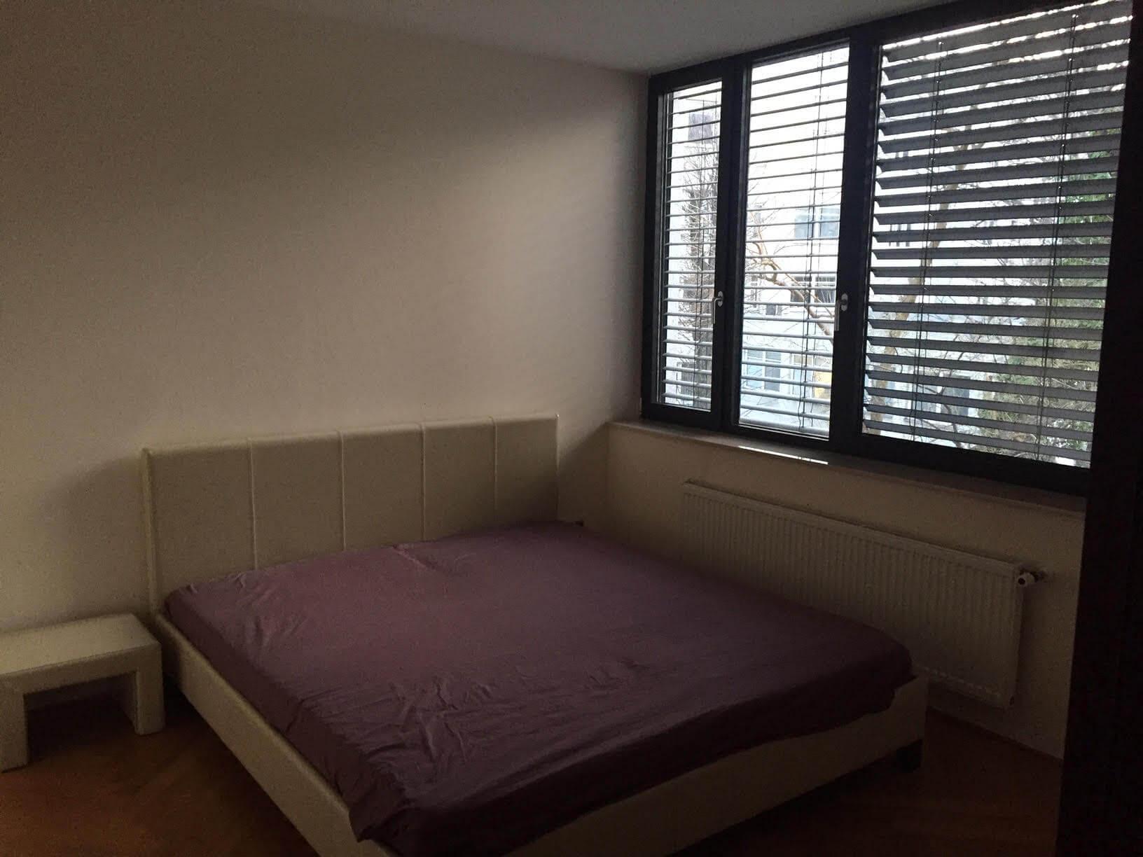 Luxusný 3 izbový byt v centre BA, 88m2, Dunajská 48, balkón 6m, garážové státie,klimatizácia, krb-6