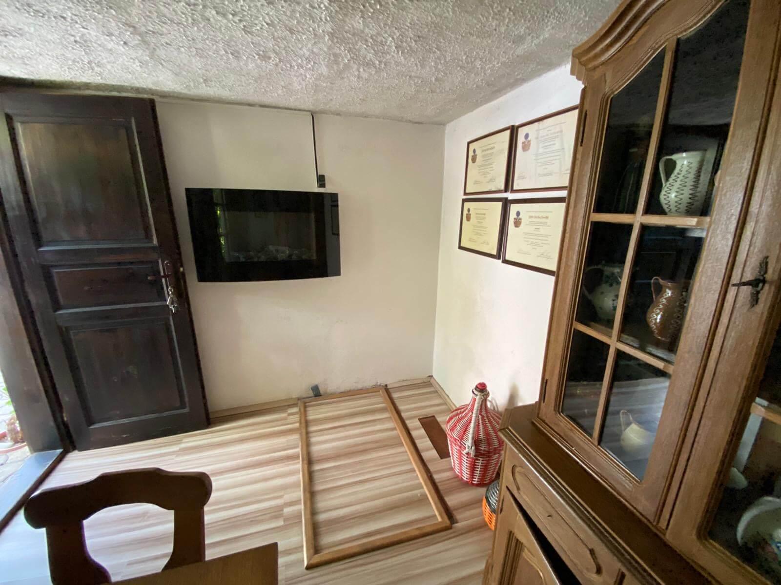 Predané: Predaj Rodinný dom v Šoporni, v tichej lokalite, pozemok 674m2, úžitková plocha 181m2,záhrada, kôlňa-27