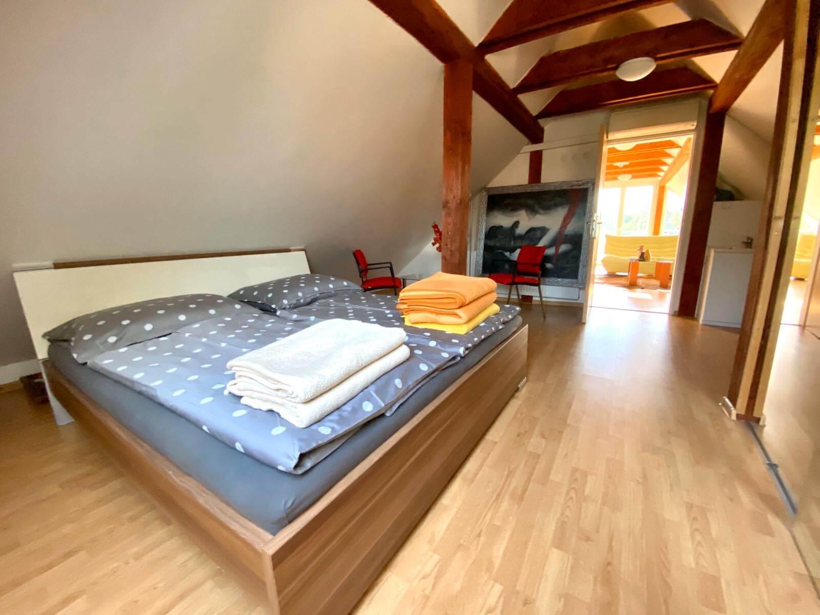 Predané: Predaj Rodinný dom v Šoporni, v tichej lokalite, pozemok 674m2, úžitková plocha 181m2,záhrada, kôlňa-18