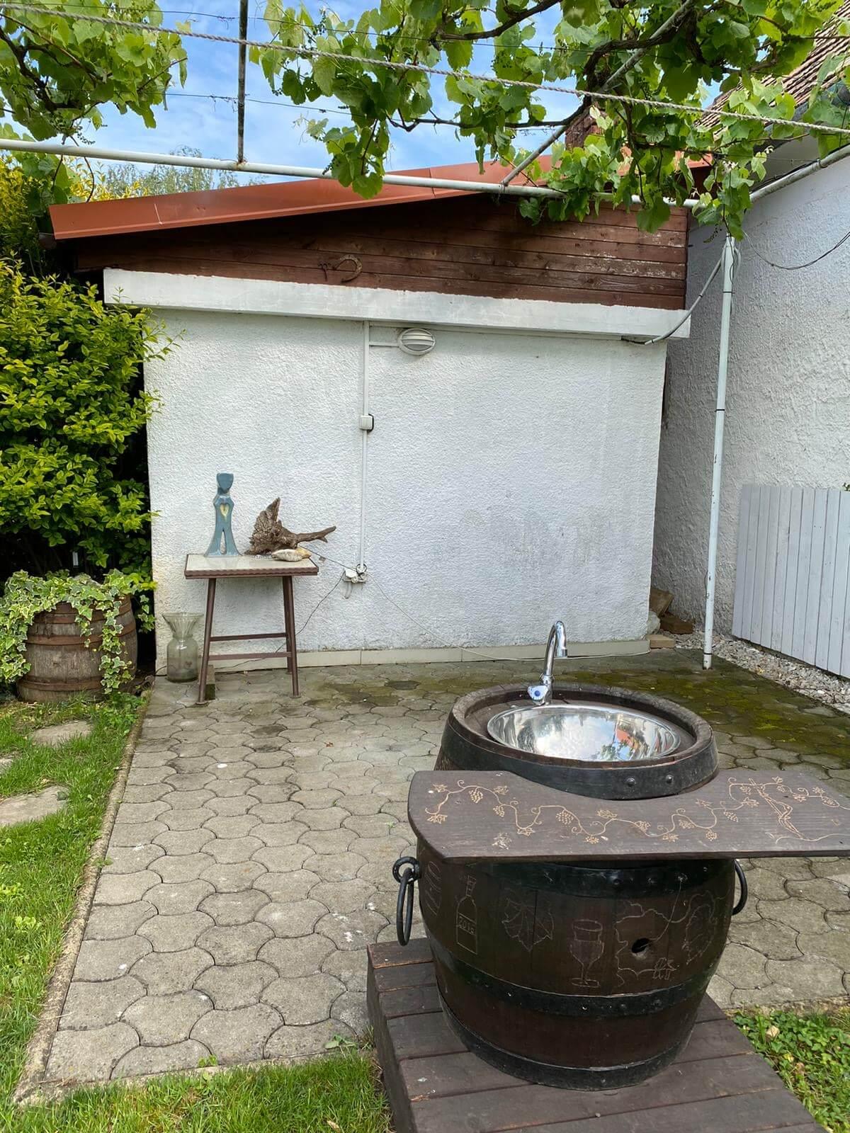 Predané: Predaj Rodinný dom v Šoporni, v tichej lokalite, pozemok 674m2, úžitková plocha 181m2,záhrada, kôlňa-31