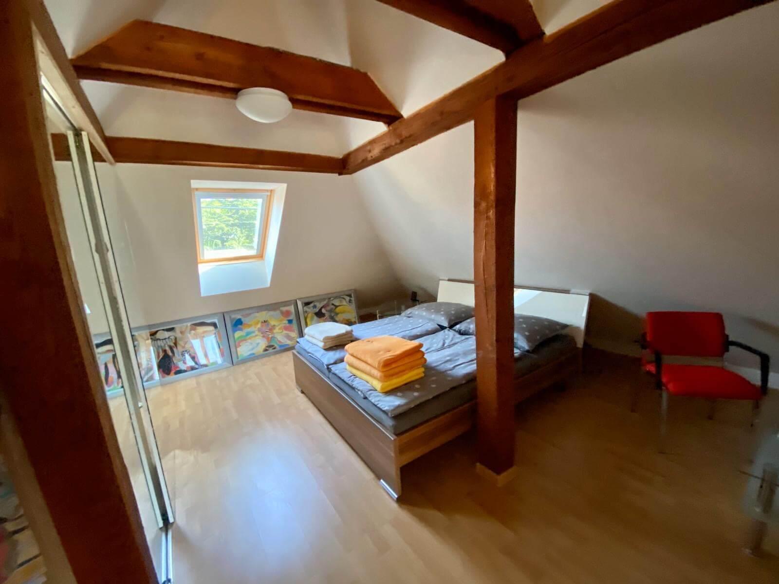 Predané: Predaj Rodinný dom v Šoporni, v tichej lokalite, pozemok 674m2, úžitková plocha 181m2,záhrada, kôlňa-22