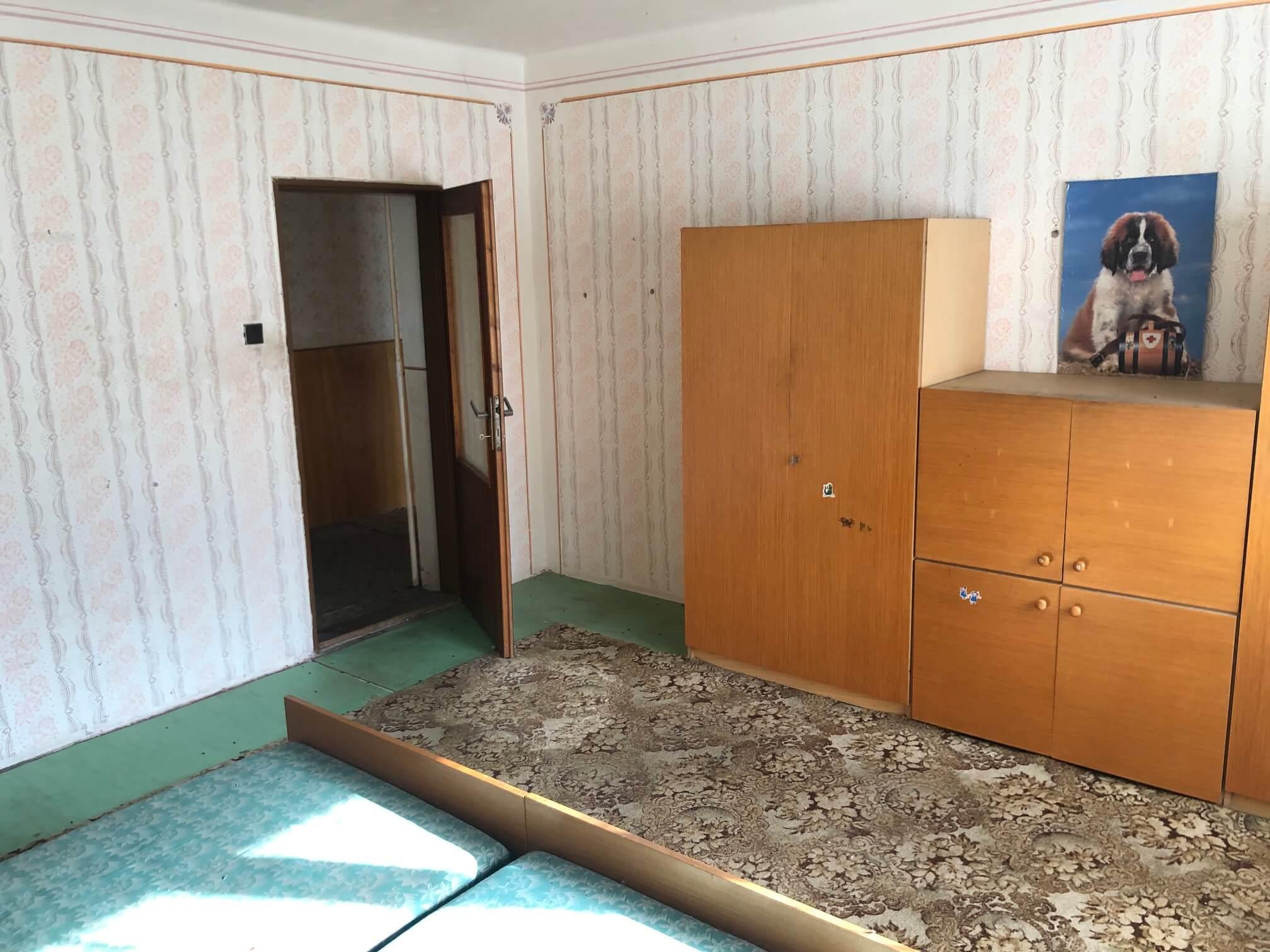 Exkluzívne: Rodinný dom, 4 izbový, Šalgočka úžitková 140m2, podpivničenie 120m2, pozemok 1500m2-50
