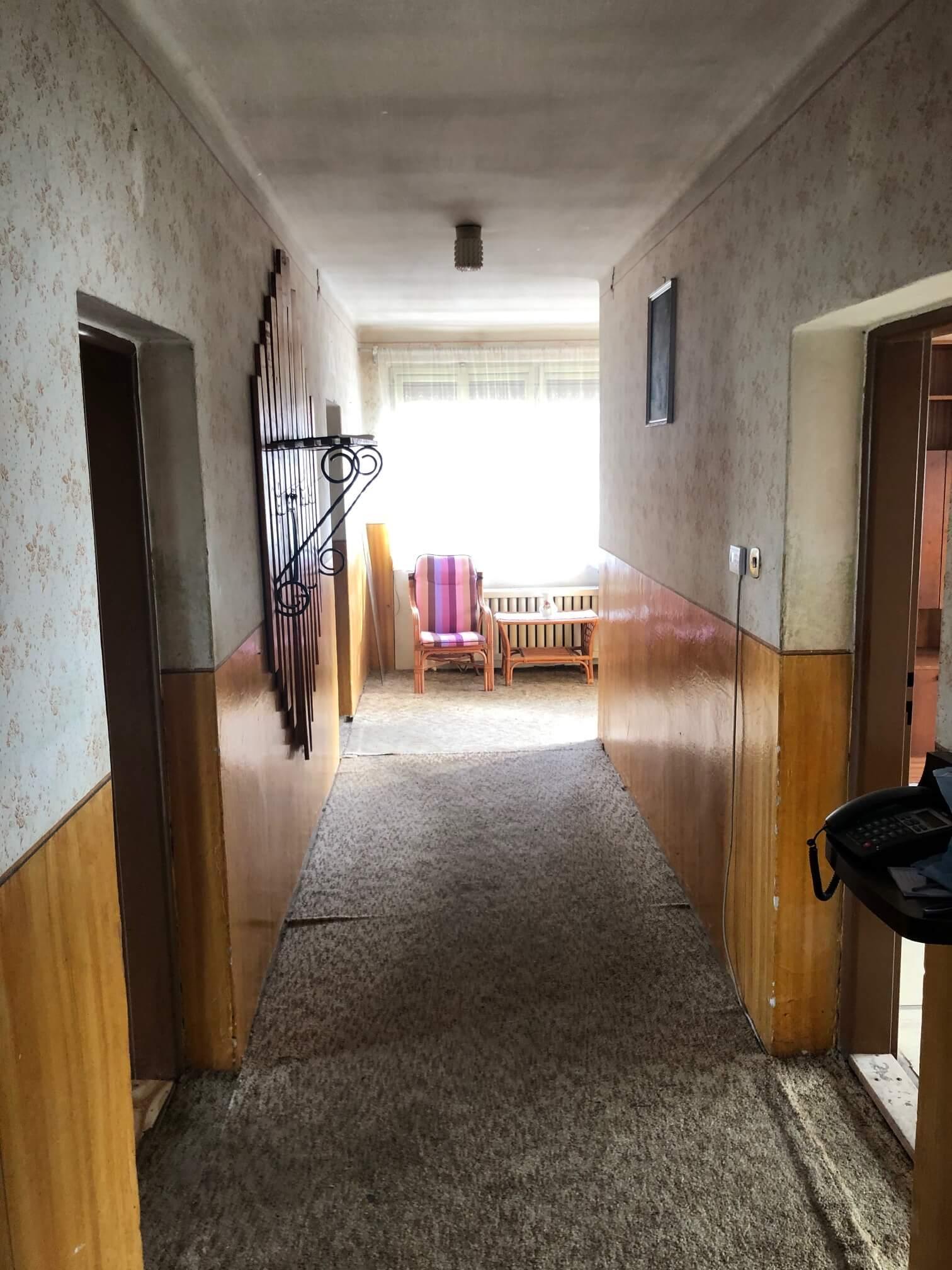 Exkluzívne: Rodinný dom, 4 izbový, Šalgočka úžitková 140m2, podpivničenie 120m2, pozemok 1500m2-46